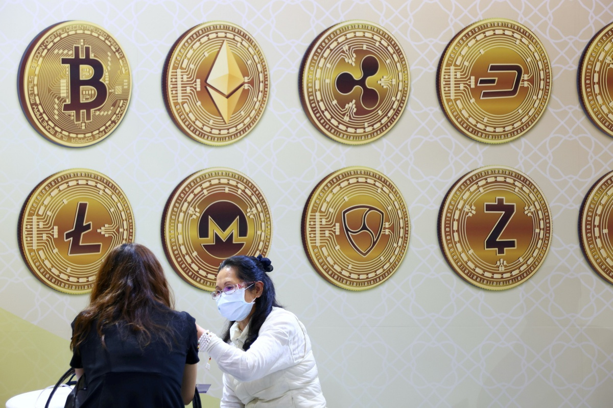 Illustraties van crytomunten tijdens de Taipei International Finance Expo in Taiwan , Reuters
