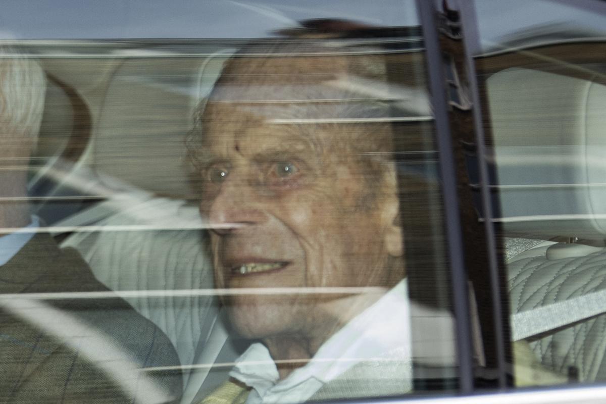 Een van de laatste beelden van prins Philip, toen hij op 16 maart 2021 het ziekenhuis verliet., Belga Image