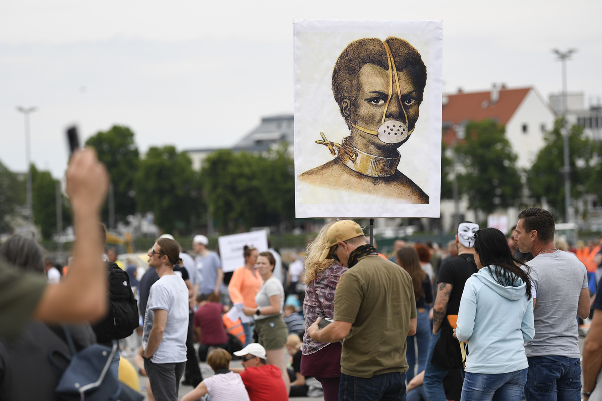 Protest tegen de coronamaatregelen in Stuttgart, Belga Image