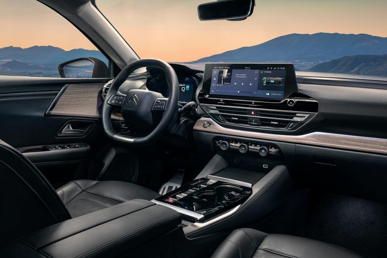 Espace, divertissement et sécurité, mais aussi bien être et détente, la C5 X doit affronter la concurrence premium allemande., GF