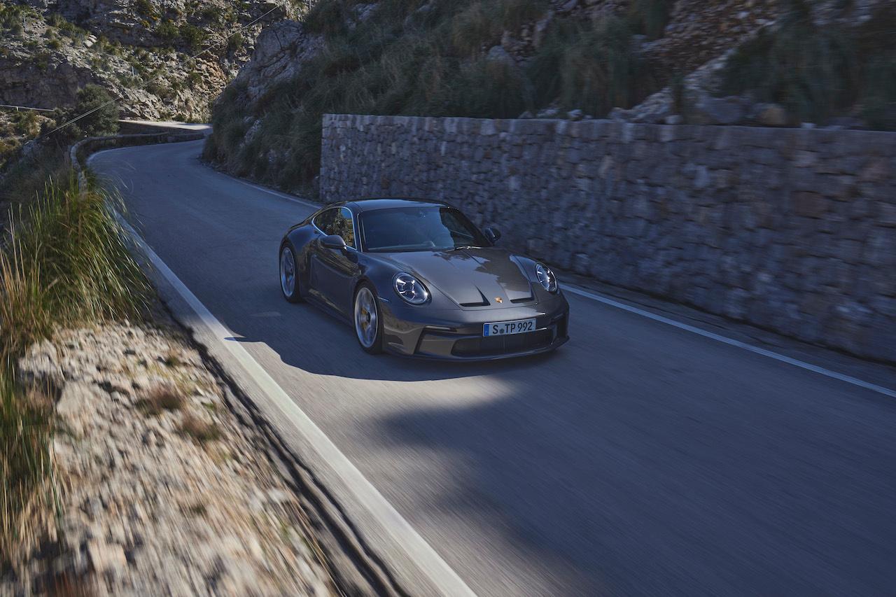 AVec ou sans ses appendices aérodynamiques, la GT3 reste un monstre d'efficacité sportive., GF