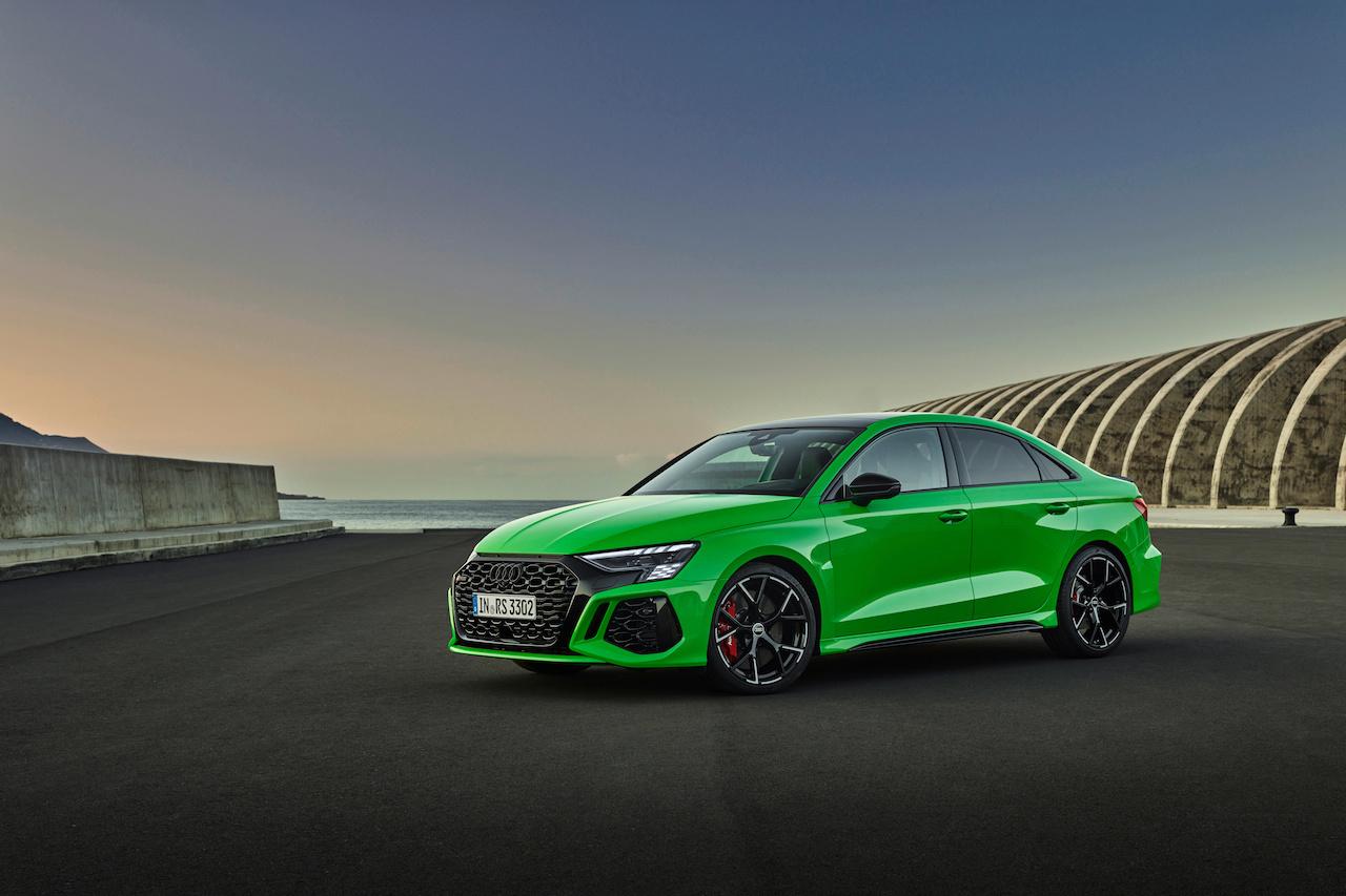 En version Berline à 4 portes, la RS 3 dégage une forme d'originalité... en particulier dans ce vert flash., GF