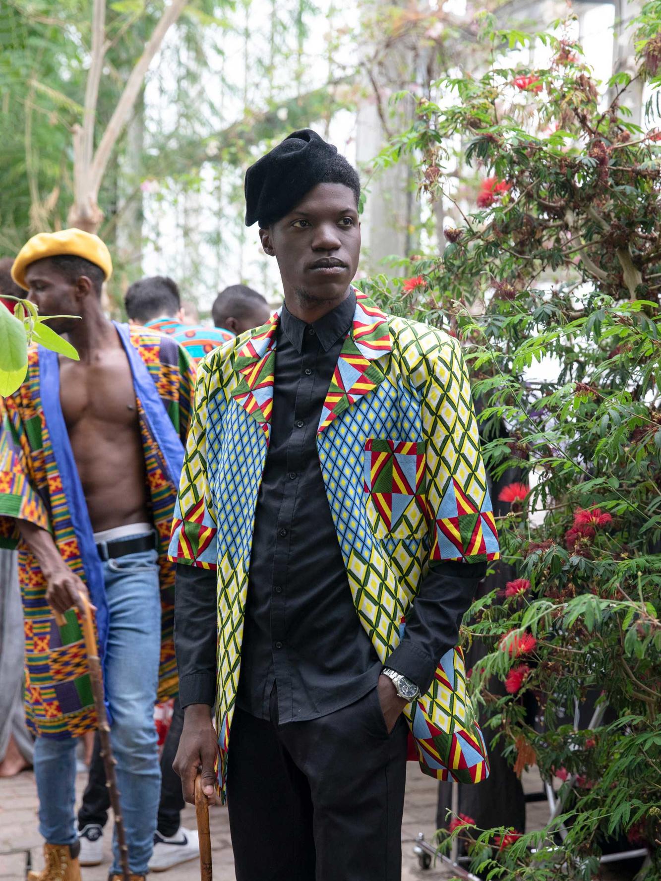 Kleren van ontwerpster Kristel Bukasa op een show tijdens de Africa Fashion Week - Plantentuin Meise, België (2019), Mashid Mohadjerin