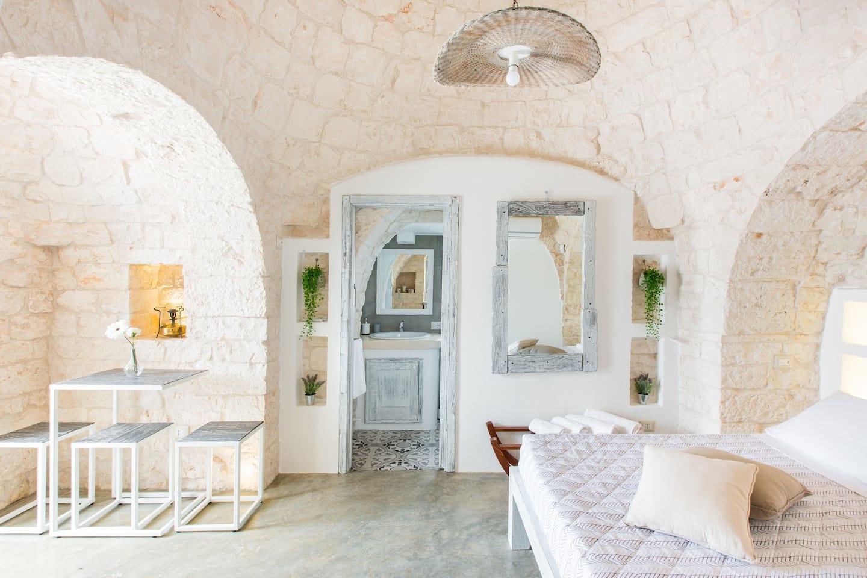 Private Trullo Suite Martodda, Leonardo / Airbnb