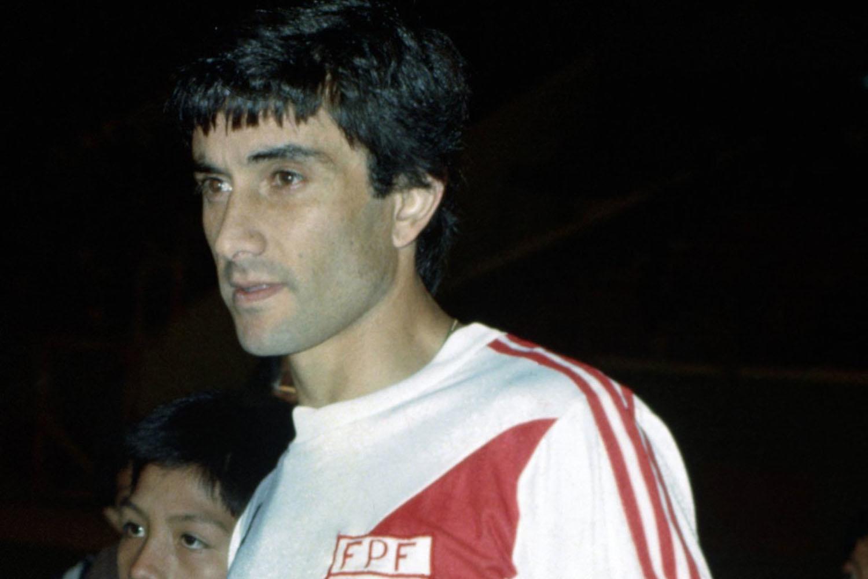 Juan Carlos Oblitas in het truitje van Peru, Belga Image