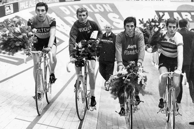 Jean-Pierre Monseré (r) met Eddy Merck, Ferdinand Bracke en Roger De Vlaeminck, Belga Image