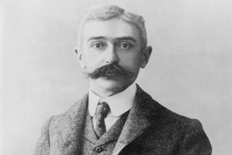 Baron Pierre De Coubertin, Historiek
