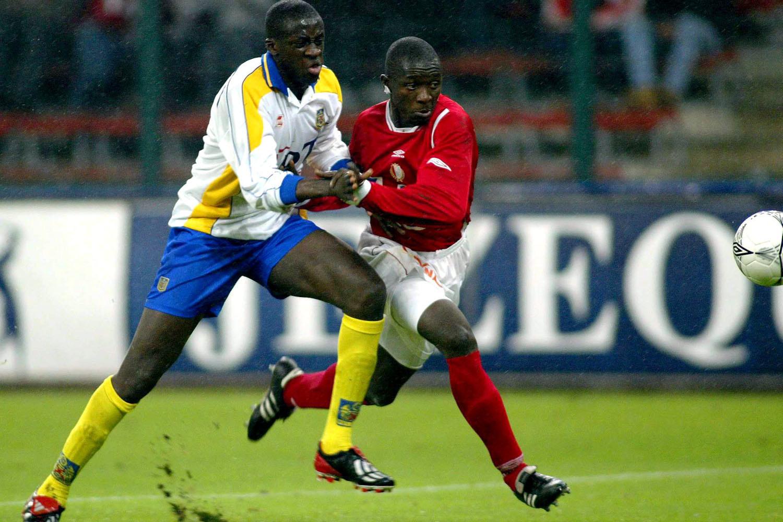 Yaya Touré (links) houdt Sambegou Bangoura af., Belga Image