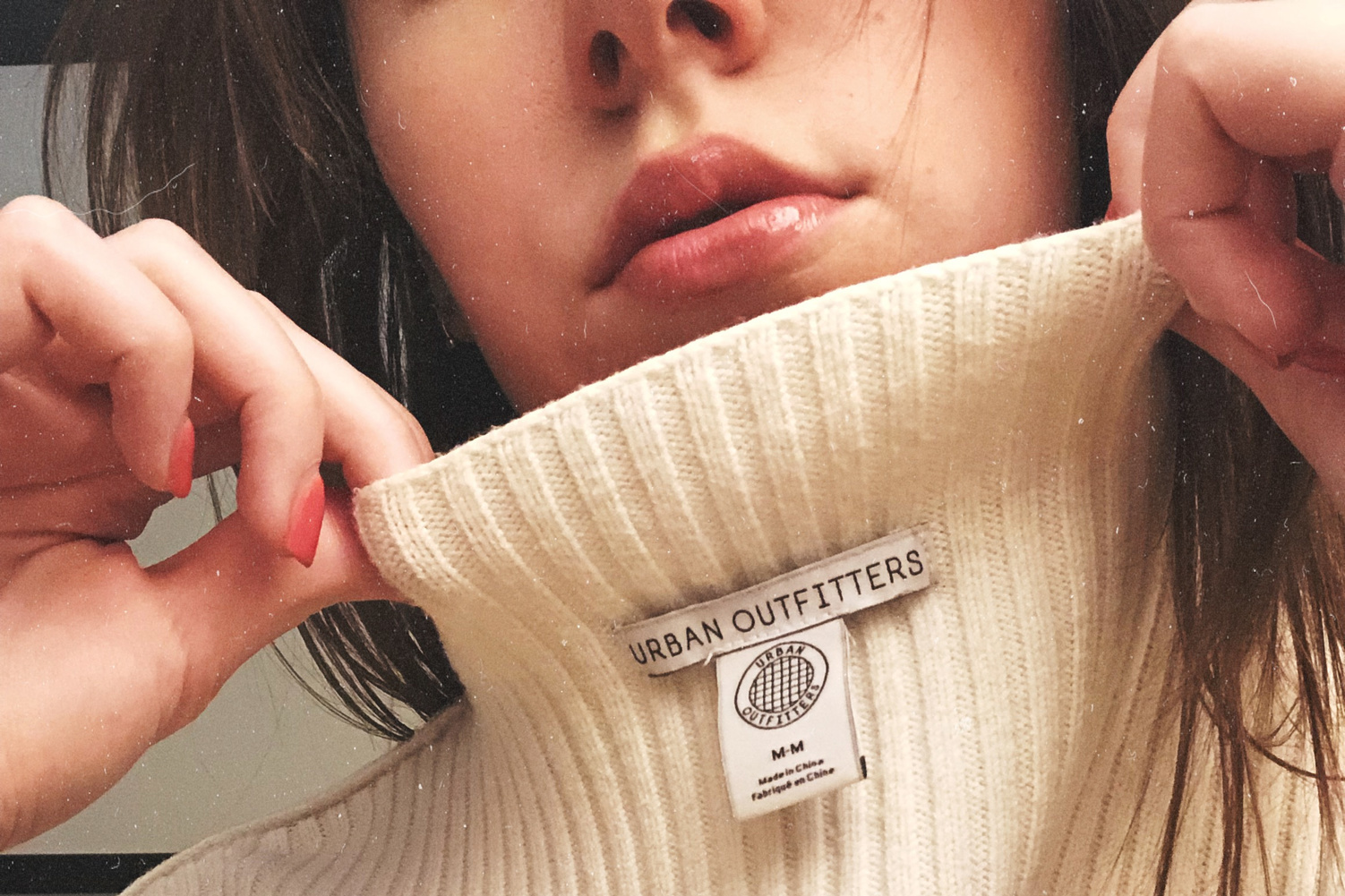 Deel een selfie met je kledinglabel en stel vragen aan het modemerk, Carly Ives/Inside Out