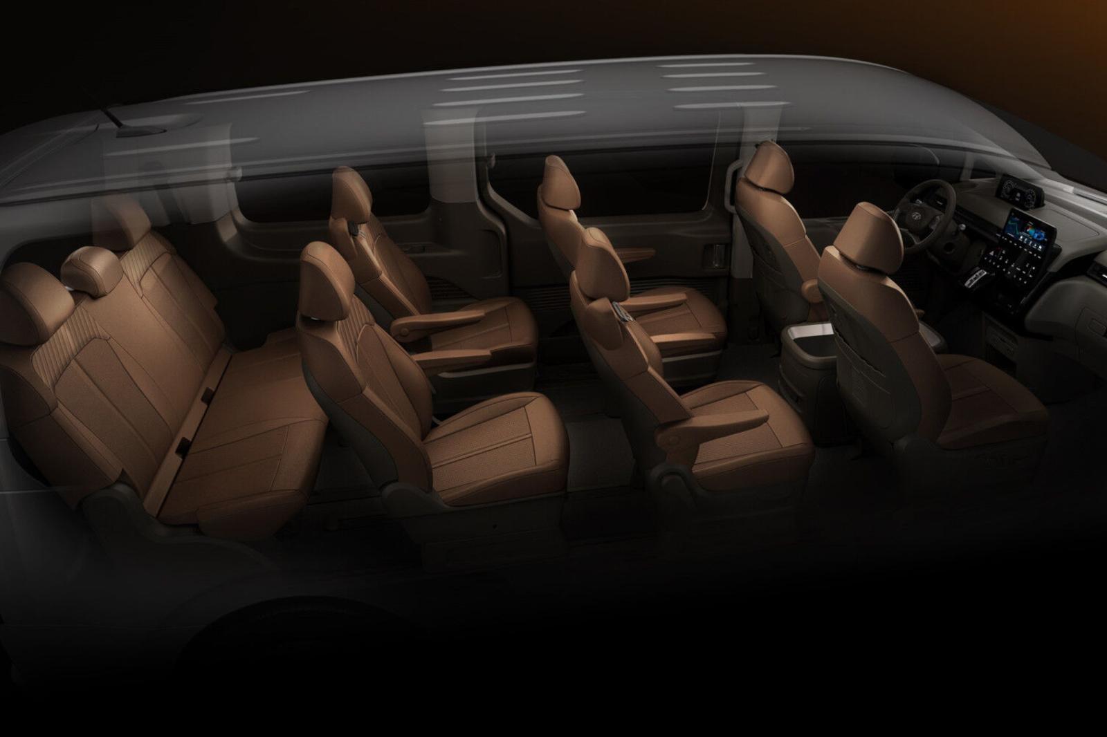 L'organisation de l'immense espace autorise l'installation de quatre rangées de sièges., GF