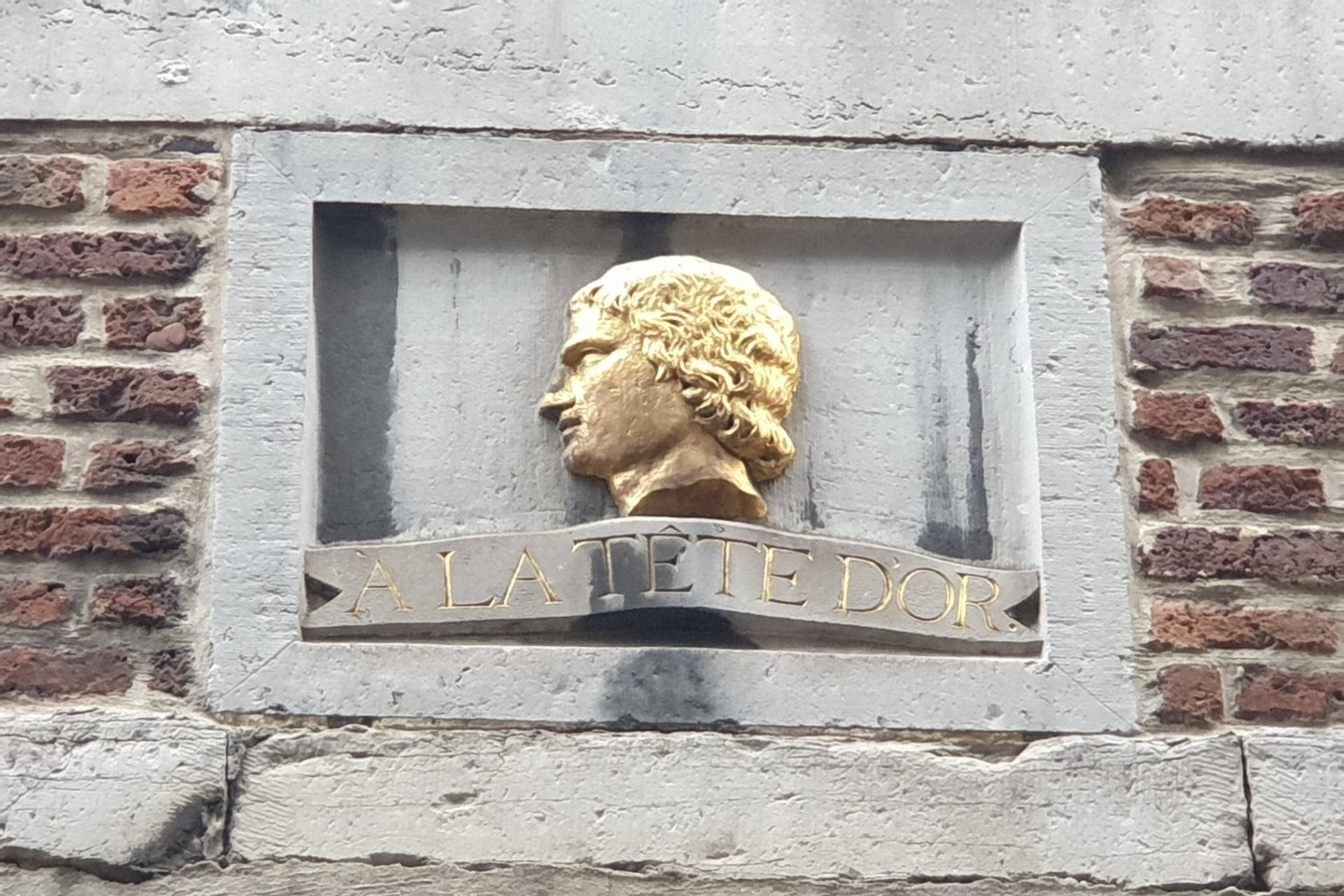Rue de l'Épée, Luik, Miles Signs