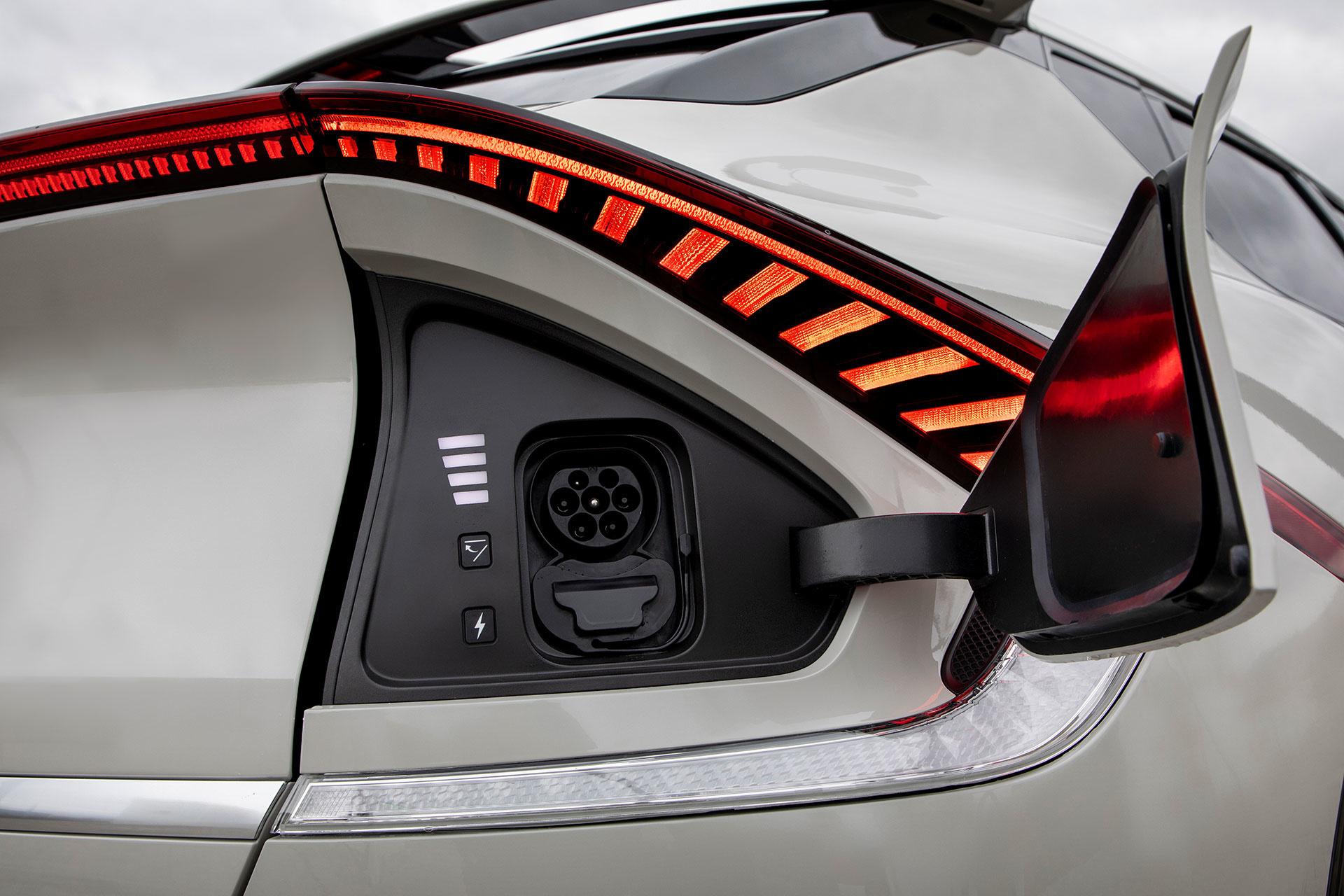 La recharge rapide chez Ionity impose cette prise de type CCS. La Kia EV6 en est équipée de série., GF