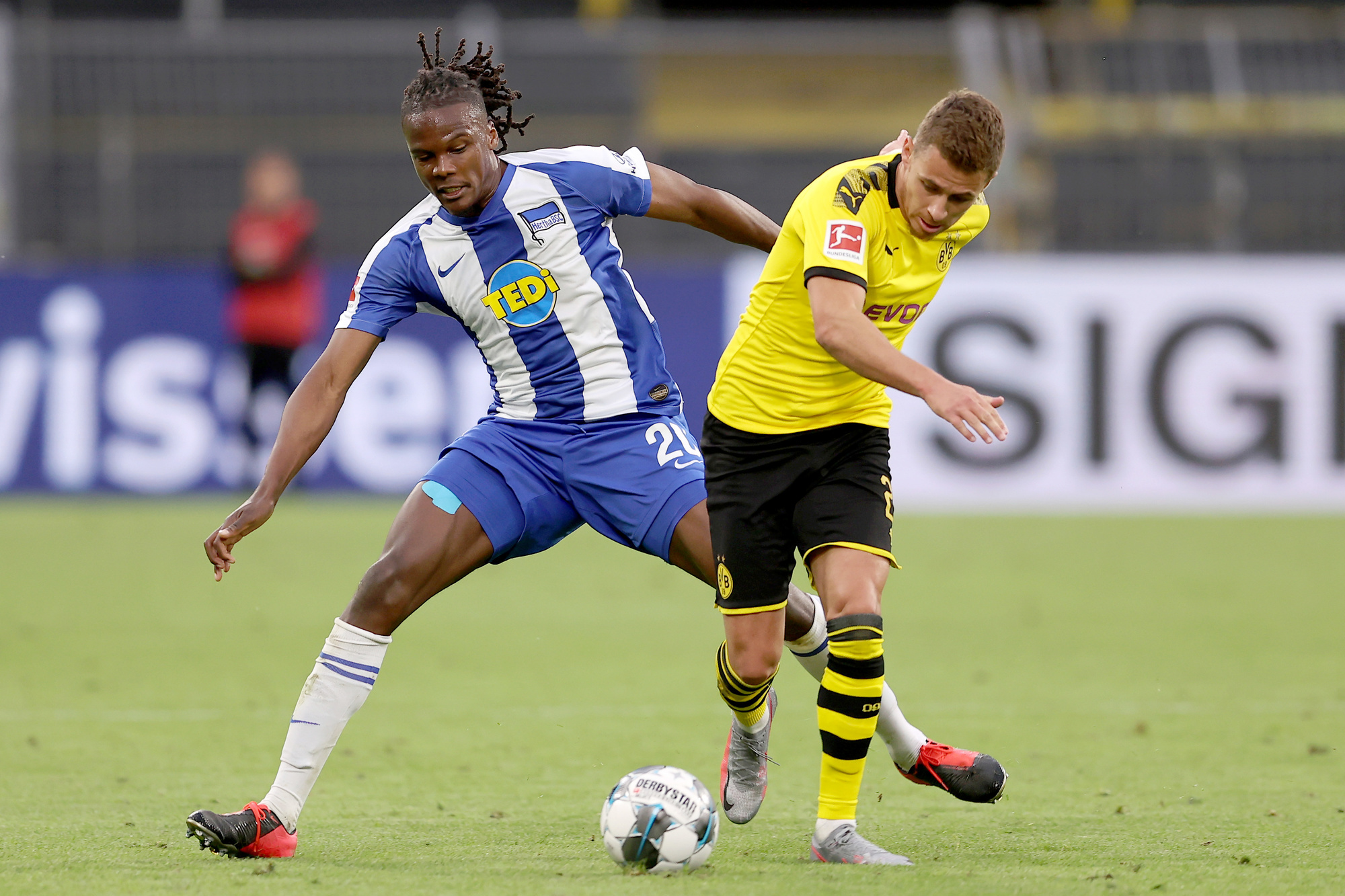 Dedryck Boyata, face au Borussia Dortmund de Thorgan Hazard, en Bundesliga., belga
