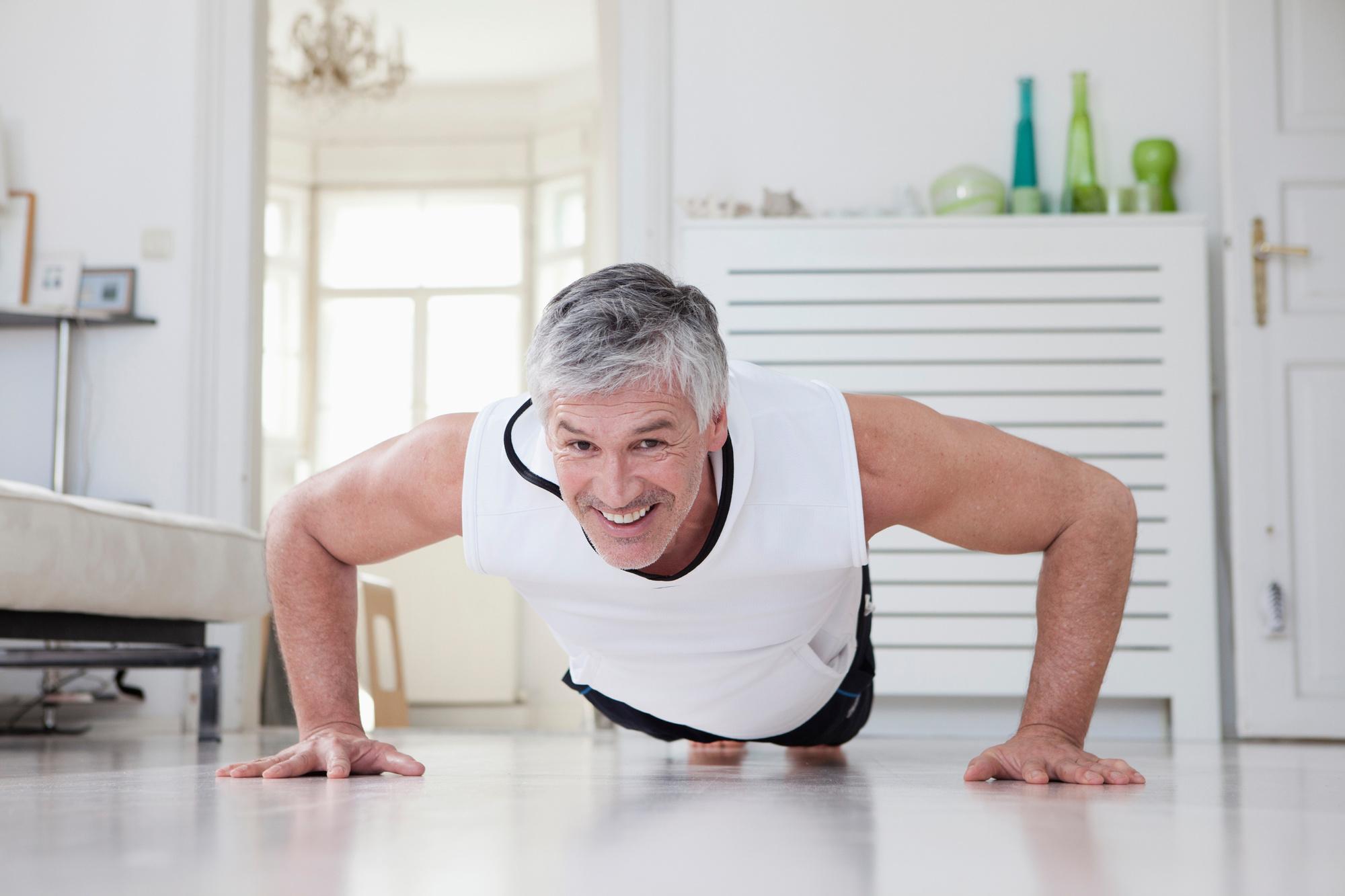'Met squats, planken, push-ups of sit-ups kom je al een heel eind', iStock