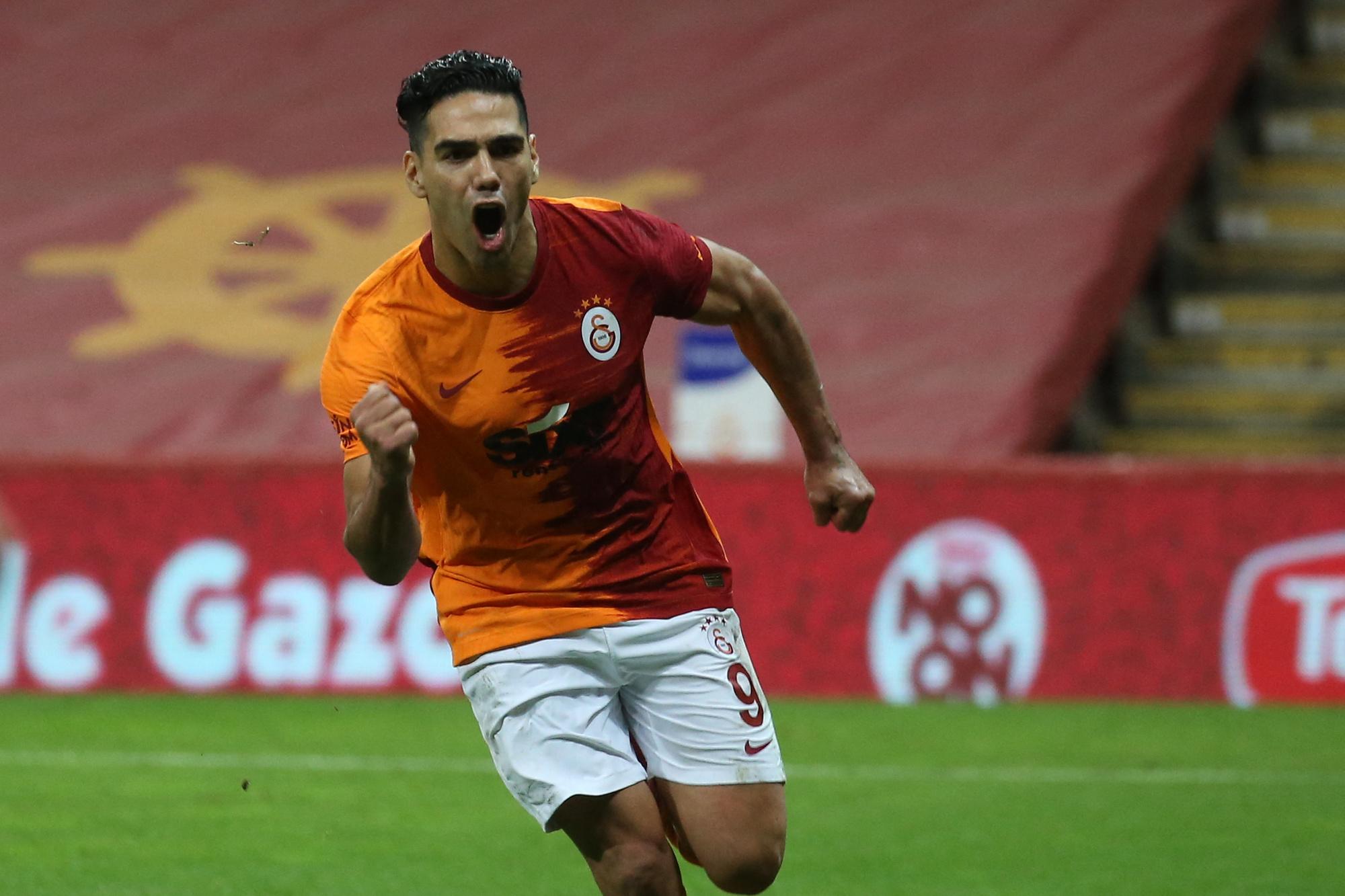 Le trésorier de Galatasaray n'est sans doute pas mécontent de ne plus voir le gros salaire de Radamel Falcao., belga