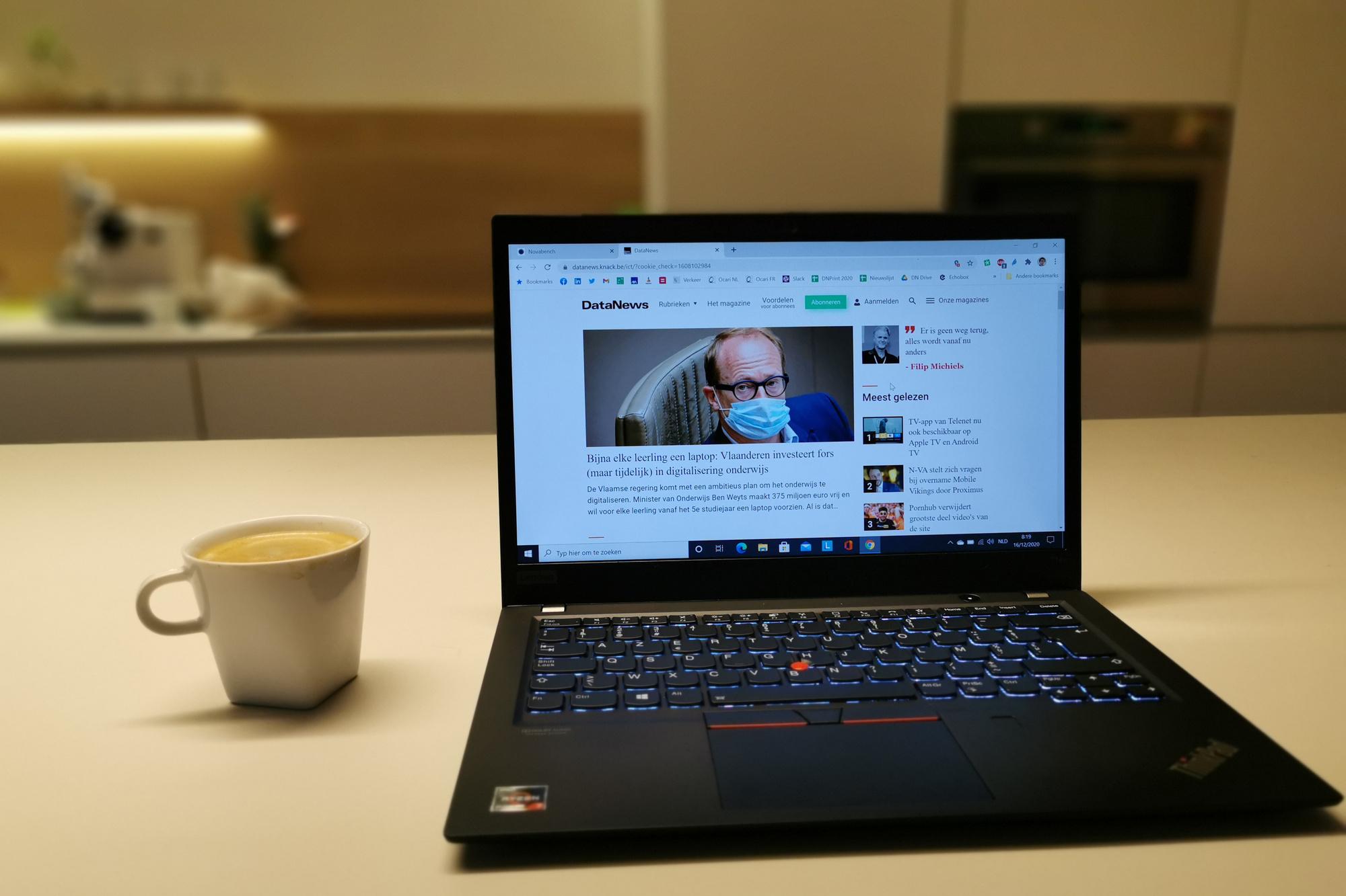 De Thinkpad T14S is in principe bestand tegen dat kopje koffie., KVdS