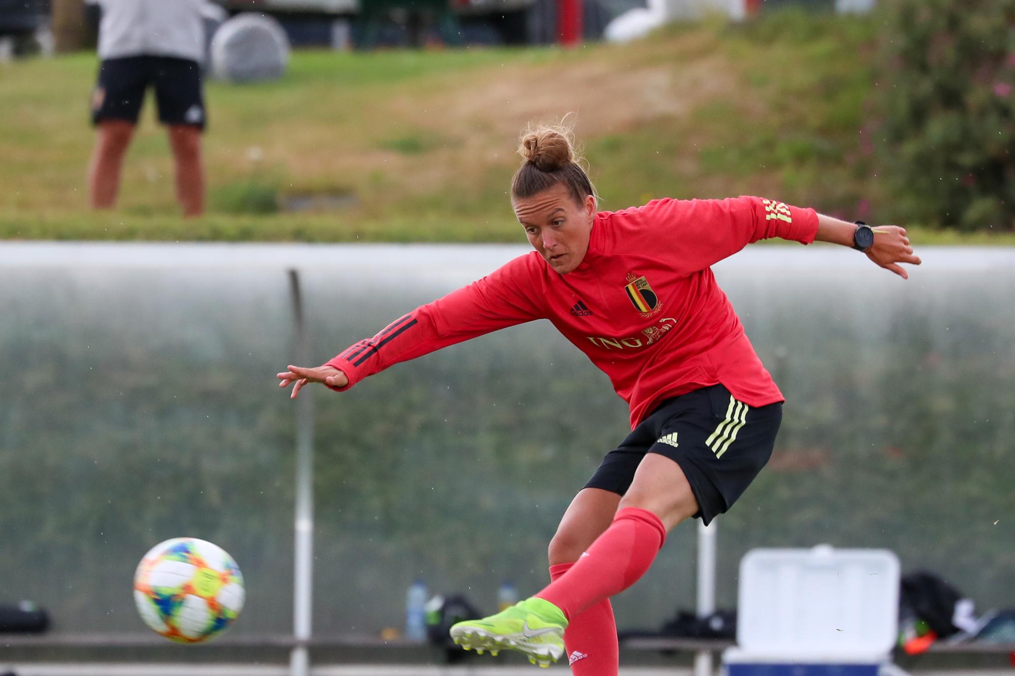 La capitaine de Genk Justine Gomboso a déjà été appelée chez les Red Flames., SPORTPIX.BE (SEVIL OKTEM)