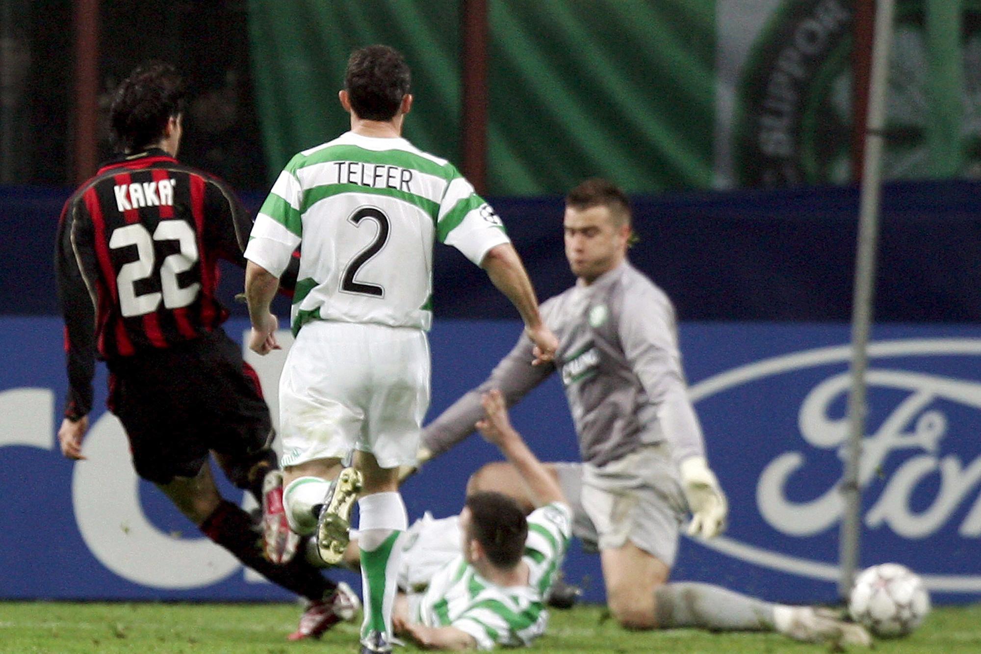 Kaká trompe Boruc du Celtic, en huitièmes de finale., belga