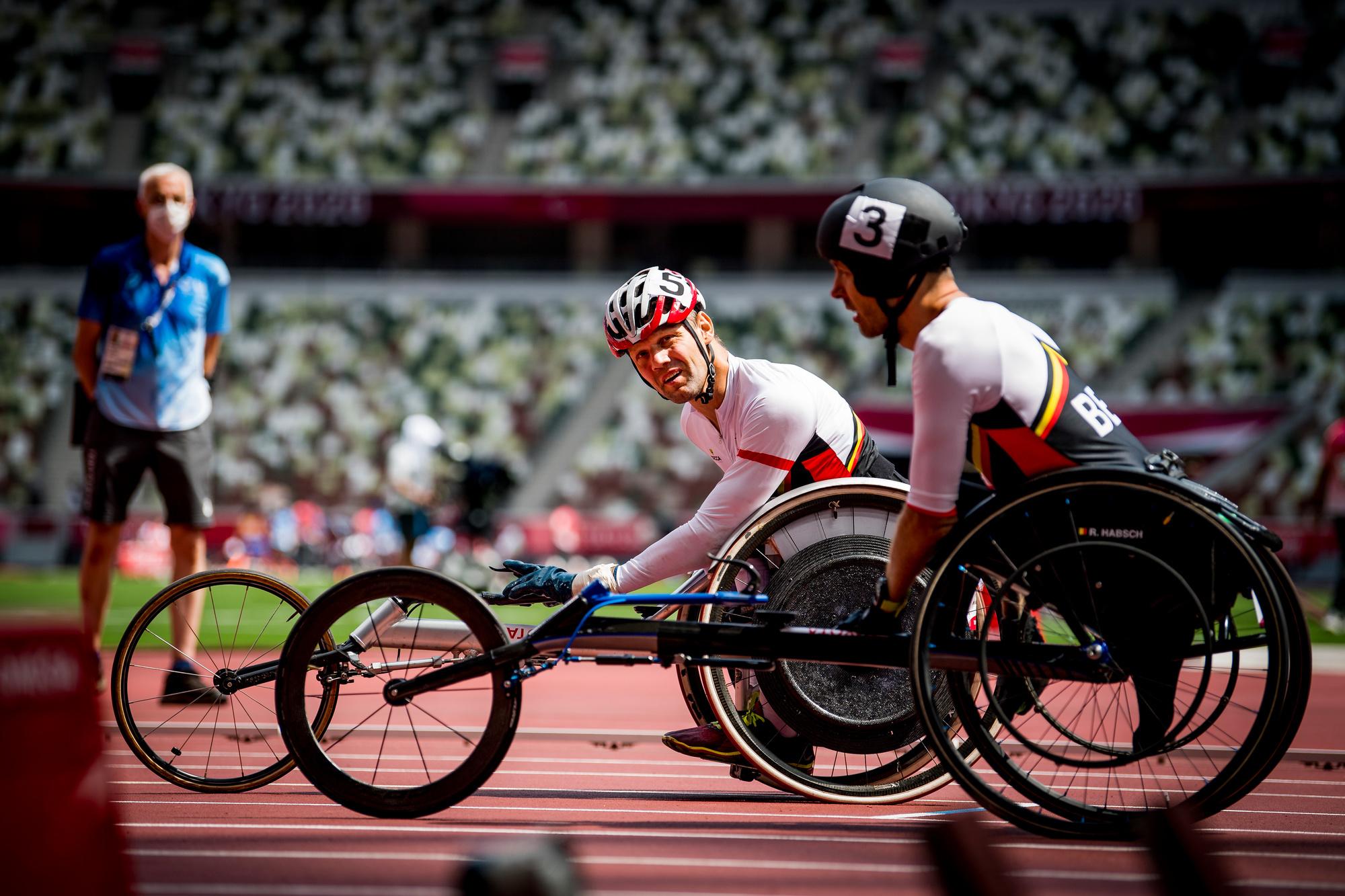 Si Habsch (à droite) était satisfait de sa médaille de bronze, Peter Genyns, médaillé d'argent (à gauche), était déçu de ne pas avoir su décrocher l'or olympique., belga