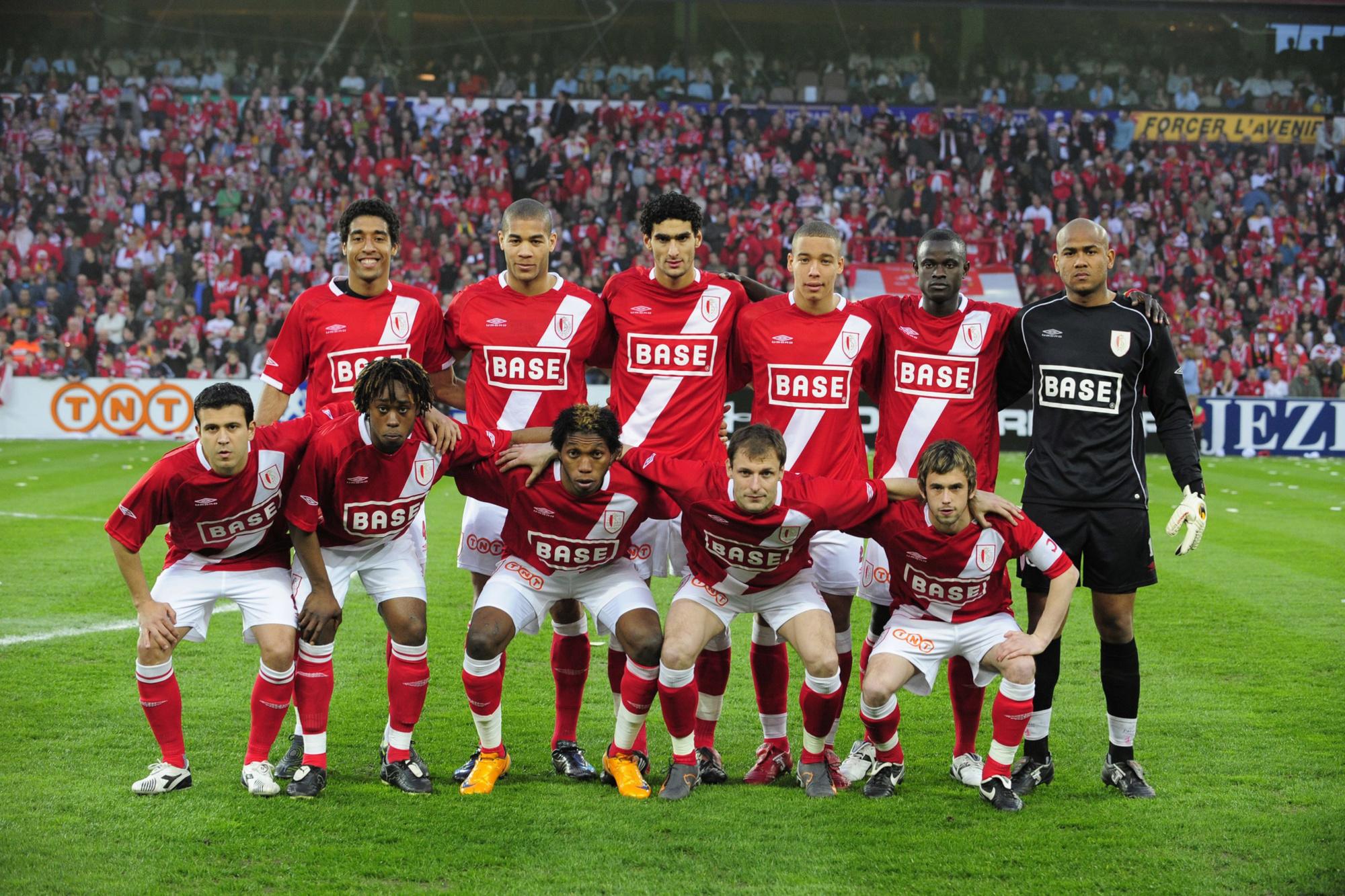 Le onze du base du Standard ce jour-là: -En haut (de gauche à droite): Dante, Onyewu, Fellaini, Witsel, Sarr, Espinoza. -En bas (de gauche à droite): Camozzato, Goreux, Mbokani, Jovanovic, Defour., belga