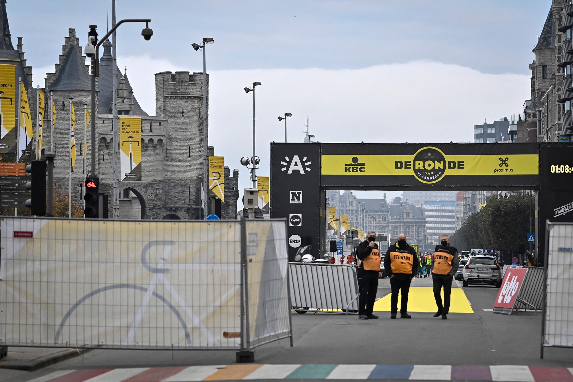 Het is stil op het Steenplein in Antwerpen, Belga Image