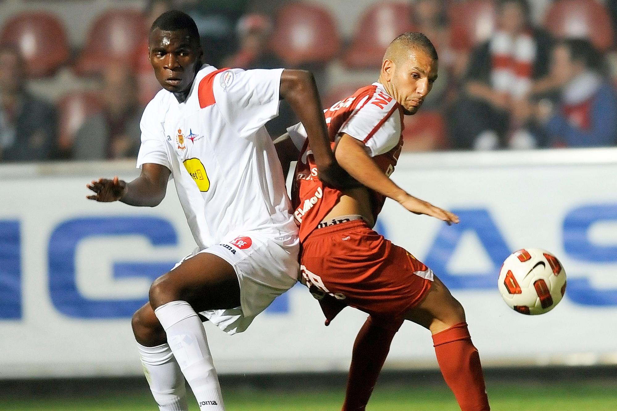 Benteke face à Courtrai, où il avait été prêté par le Standard une saison auparavant., belga