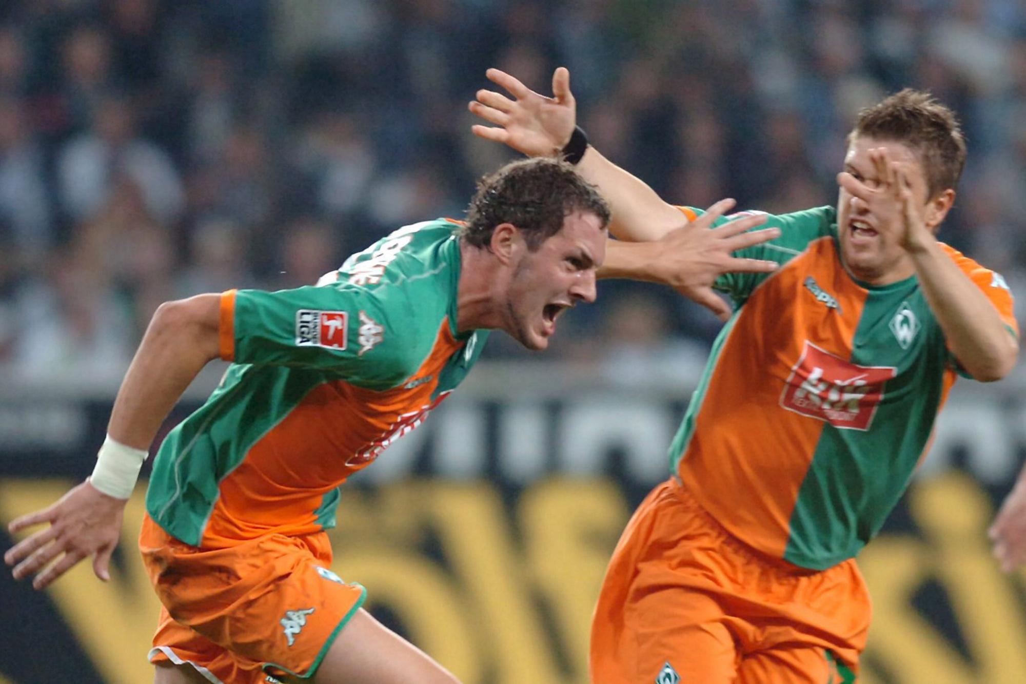 Van Damme célèbre le seul et unique but de sa carrière en Bundesliga, face à Mönchengladbach., belga