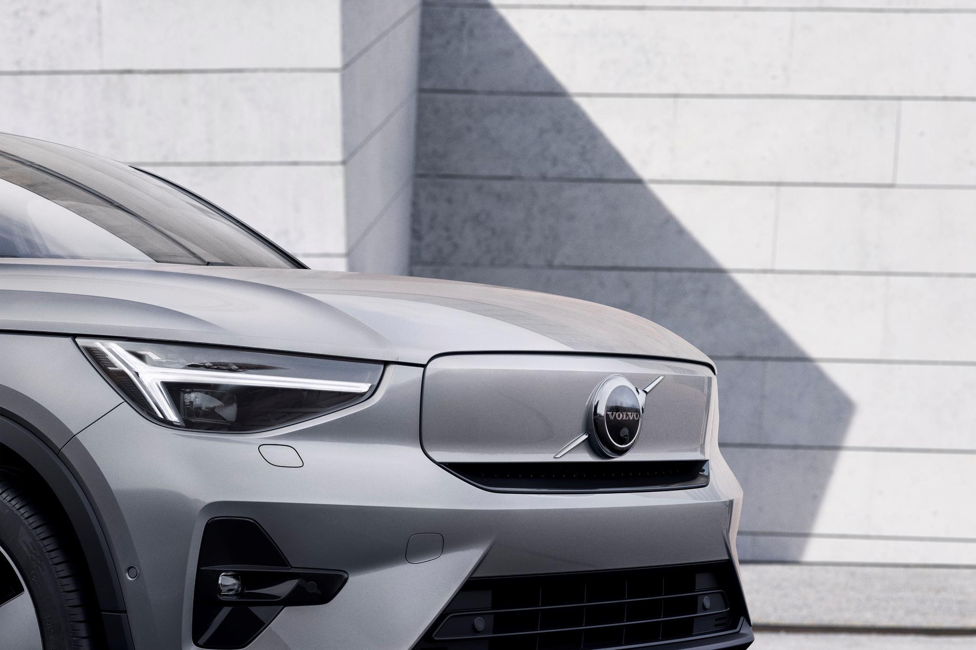 Le C40 inaugure des détails, sur sa face avant, que l'on retrouvera sur les prochaines nouvelles Volvo électriques., GF