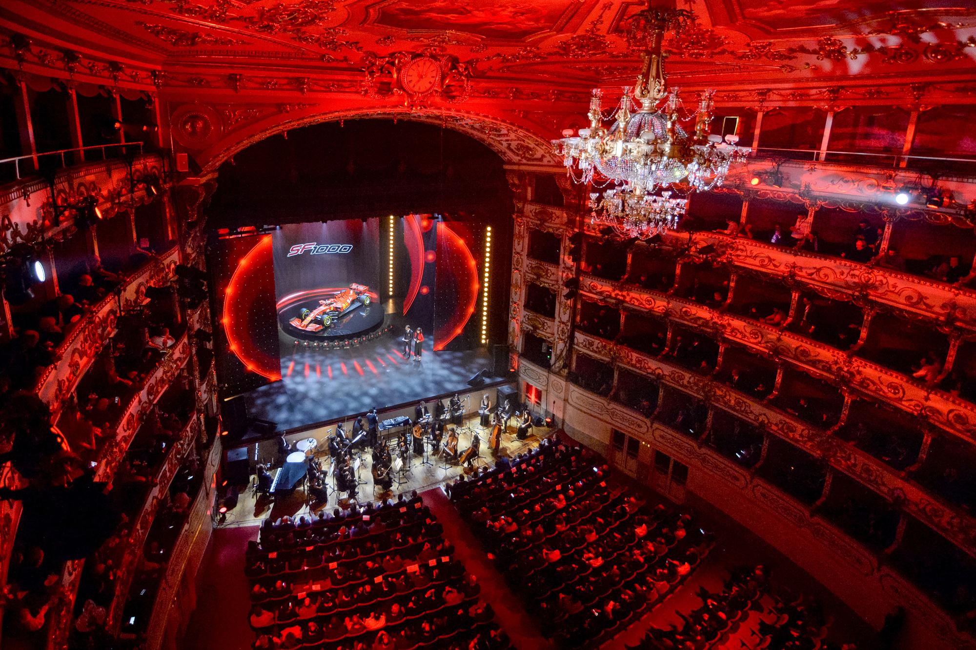 De nieuwe ferrari werd voorgesteld in het Teatro Romolo-Valli in Reggio Emilia., Belga Image