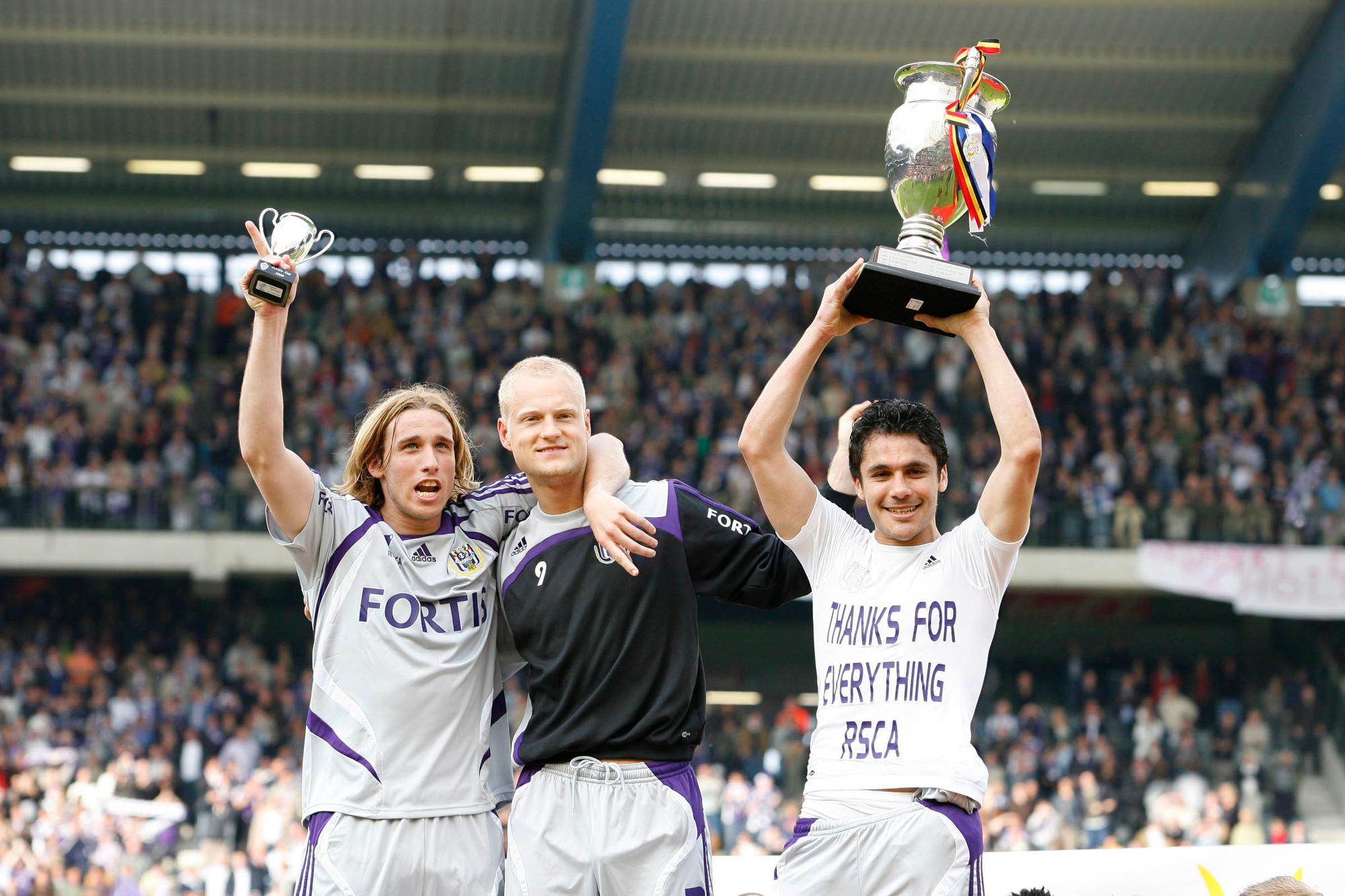 Ahmed Hassan won in 2008 de beker met Anderlecht. Ook op de foto: Lucas Biglia en Olivier Deschacht., Belga Image
