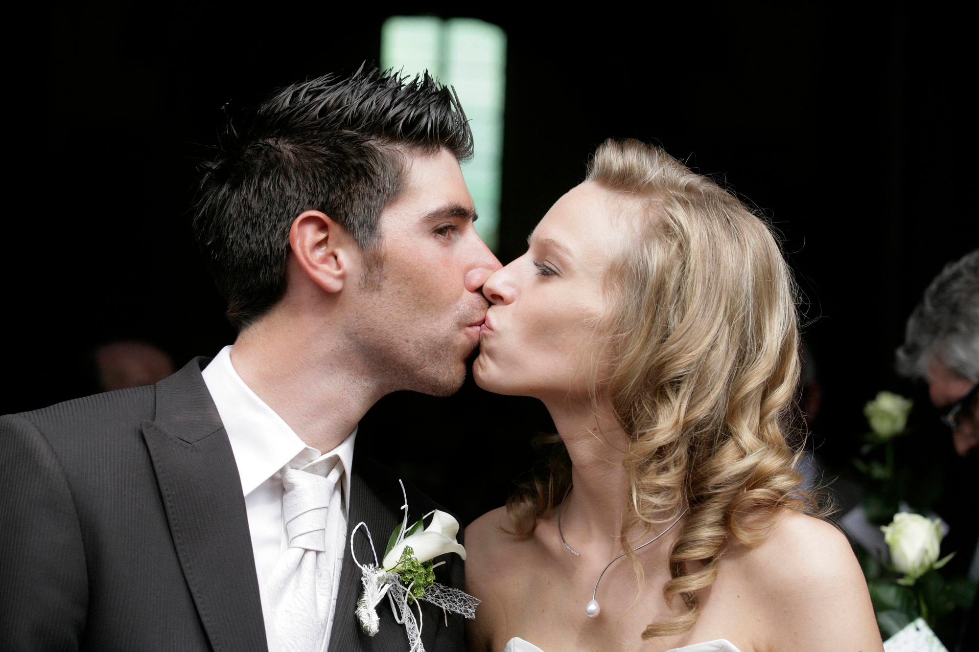 Thomas De Gendt stapte op 30 juni in het huwelijksbootje met zijn Evelyn., Belga Image