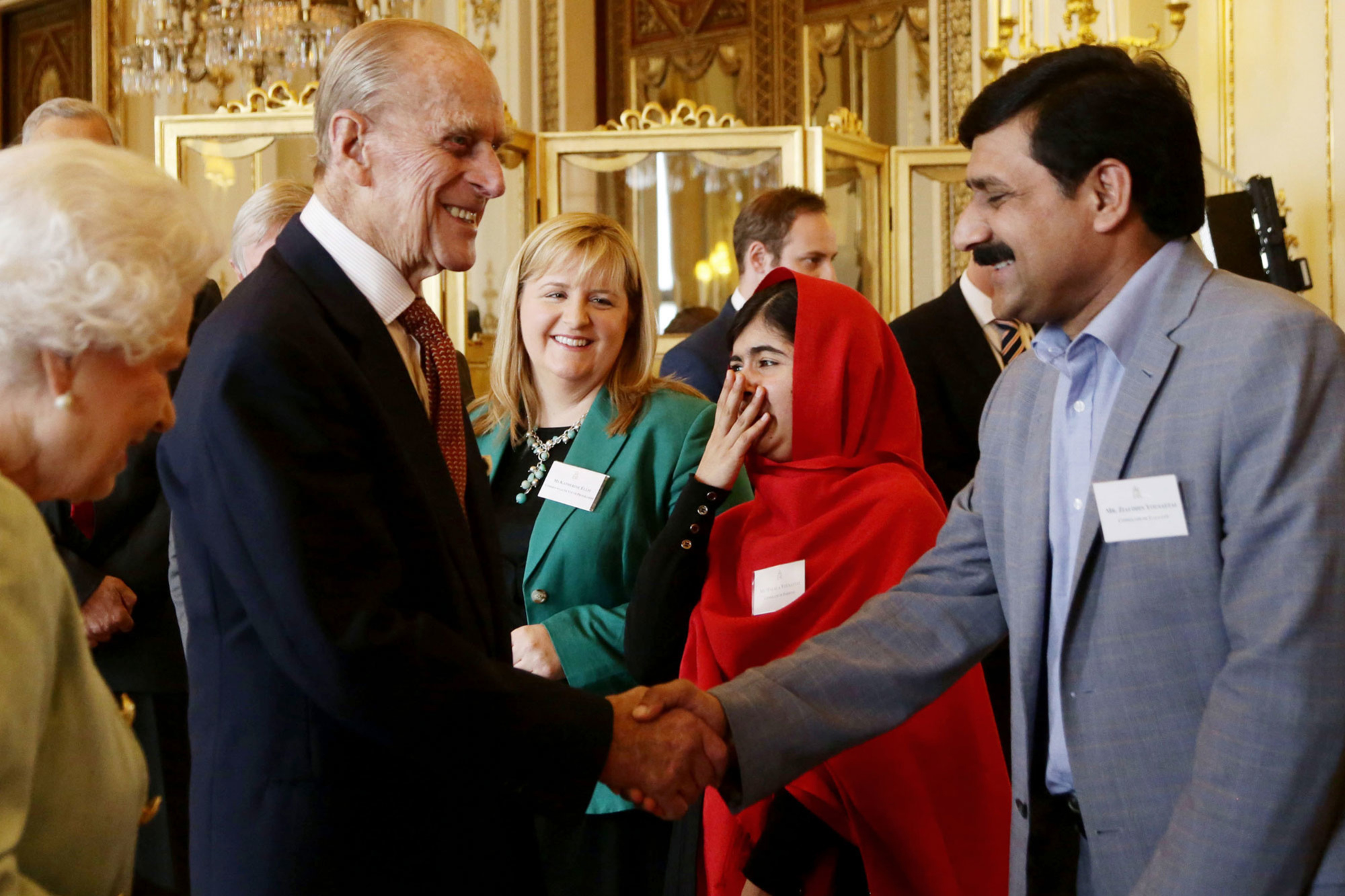 Prins Philip met Malala Yousafzai in 2013., getty
