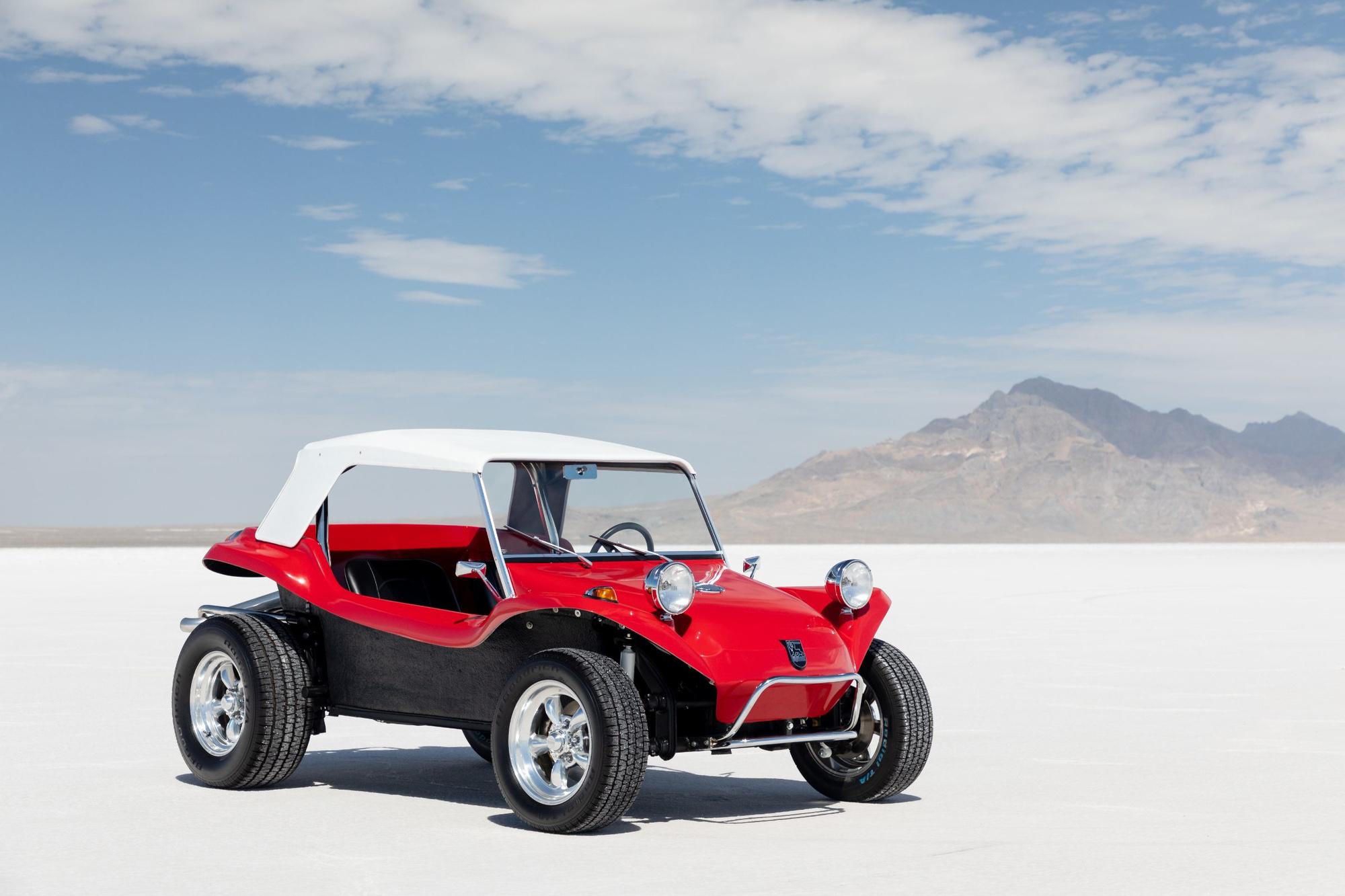 Léger, compact, solide, le Meyers Manx devient l'engin idéal pour rouler sur le sable. Et quel look!, GF