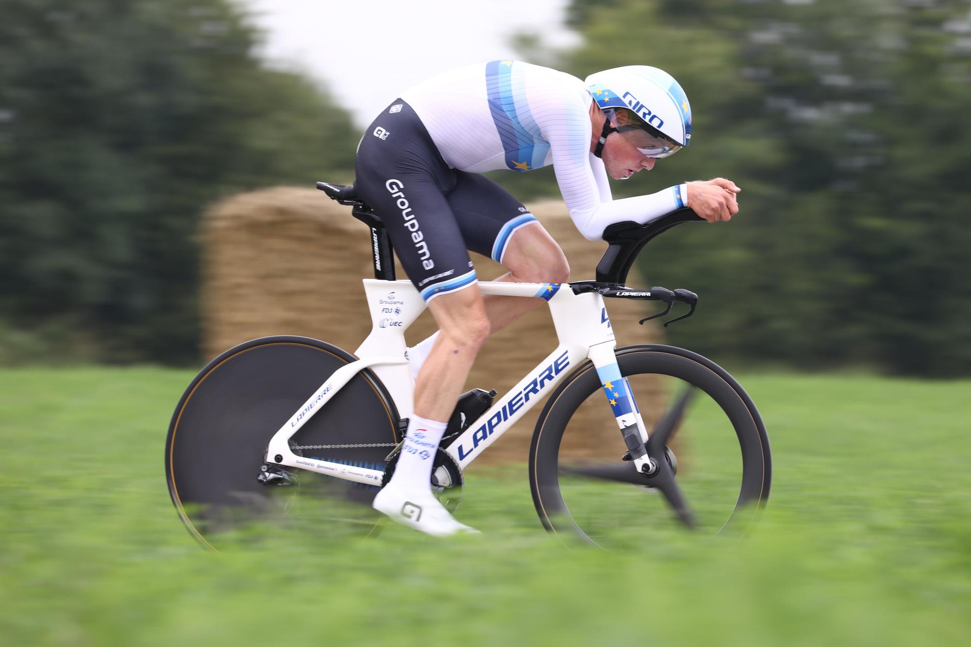 A Trente, la concurrence sera féroce pour Remco Evenepoel, notamment avec le champion d'Europe en titre, Stefan Küng, qui sera au même titre que son compatriote Stefan Bissegger, l'un des grands prétendants au titre. Il ne sera pas facile d'écarter les Suisses., belga