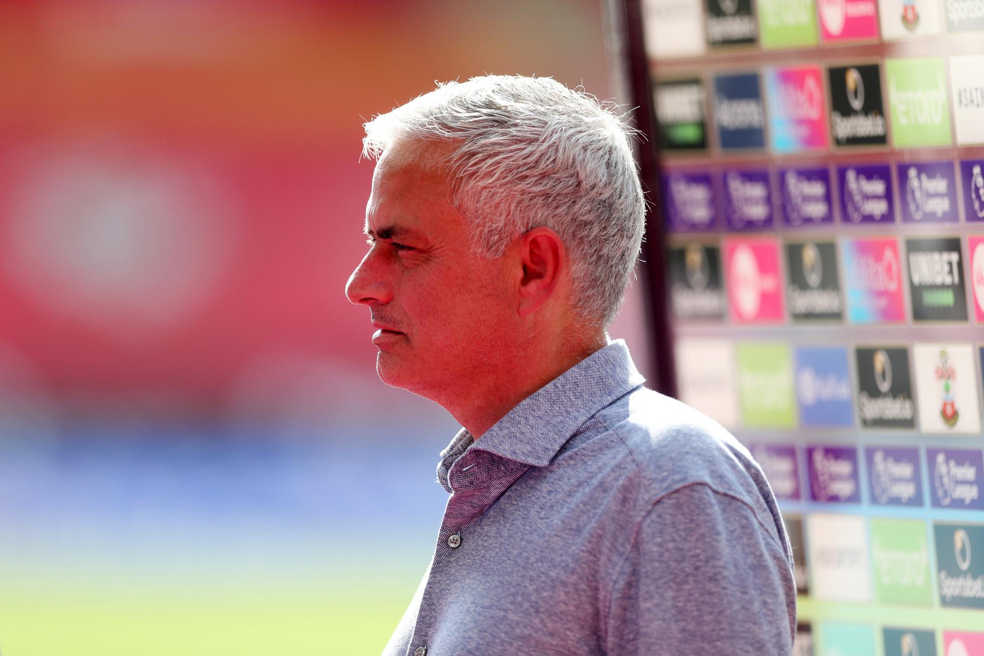 Ook José Mourinho, misschien wel de grootste Portugese trainer ooit, zit in de zak van Mendes., GETTY