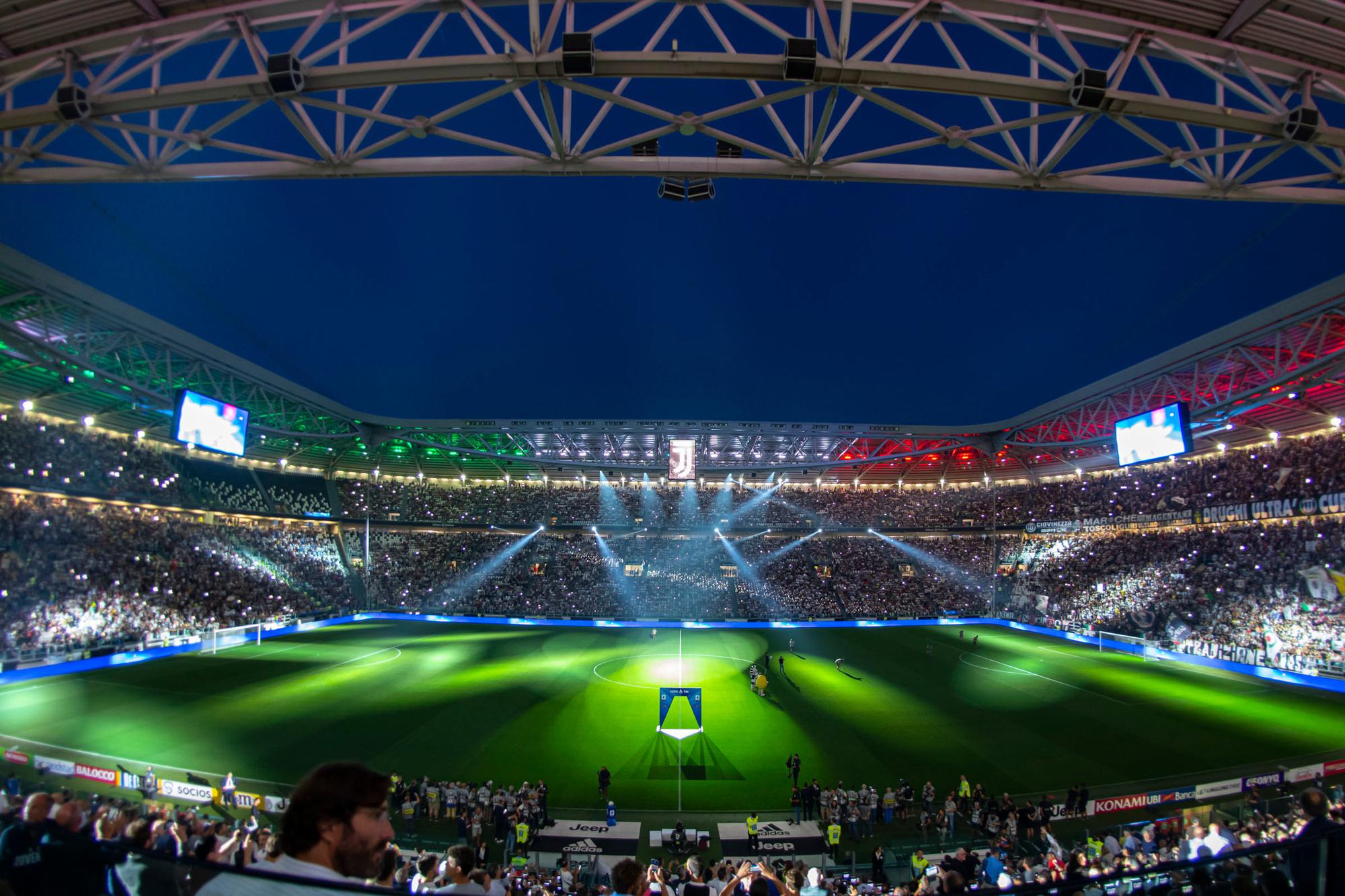 Het Allianz Stadium van Juventus oogt met 41.500 supporters nogal klein., GETTY