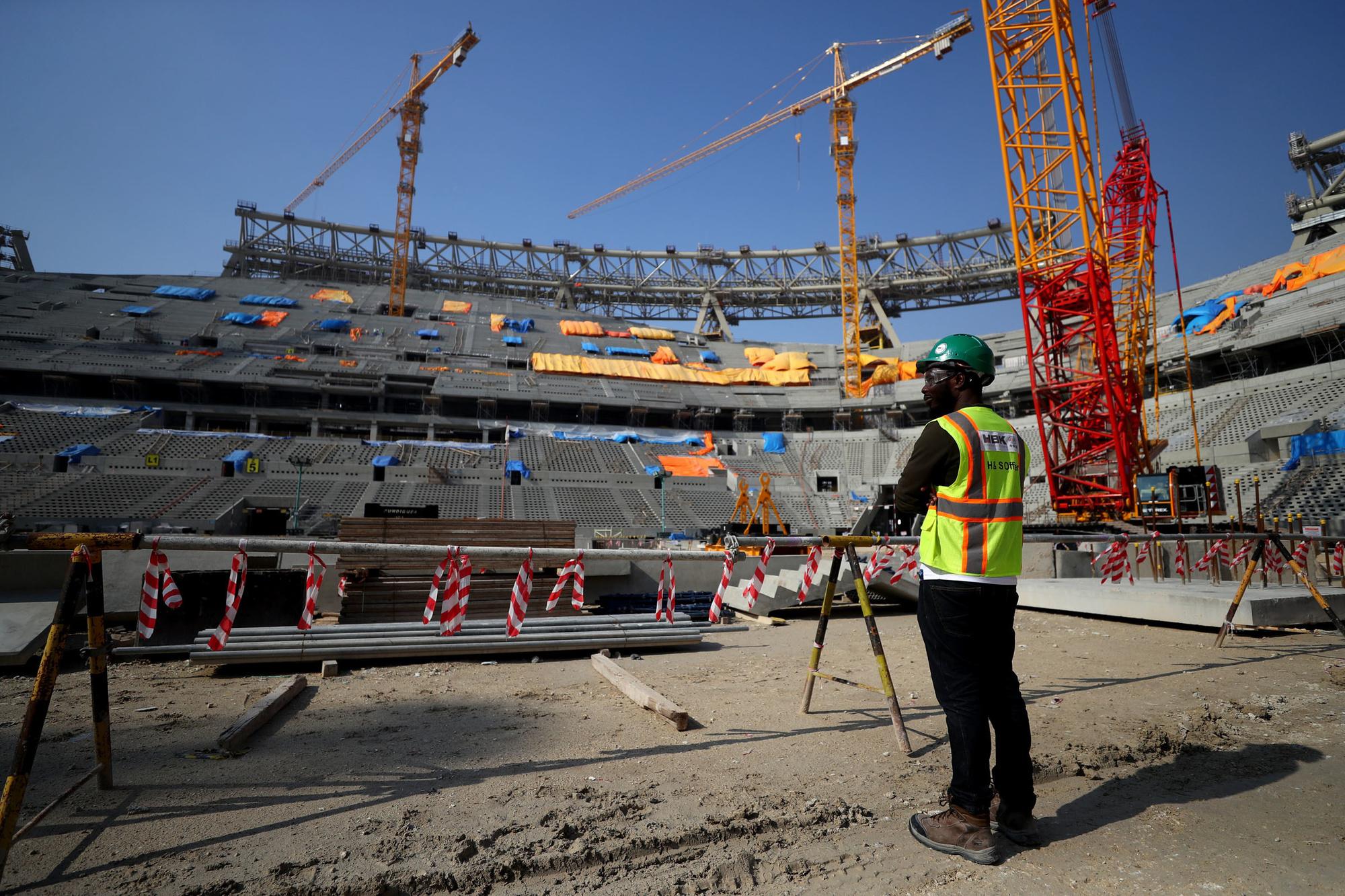 Volgens onderzoek van The Guardian overleden al 6.500 mensen bij het bouwen van stadions voor het WK in Qatar., GETTY