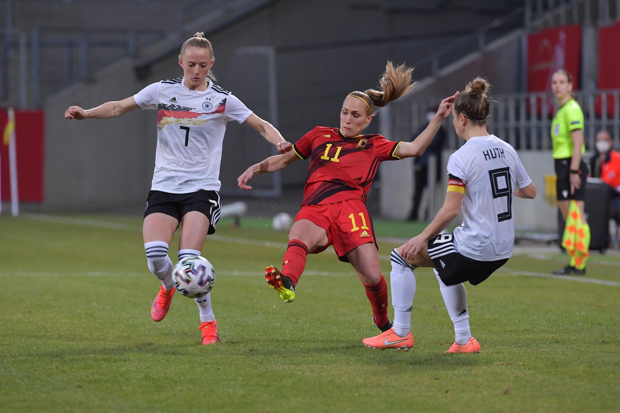 L'écart était grand entre la Belgique et l'Allemagne, même si les Flames ont montré un meilleur visage face à cette dernière équipe., SIPAUSACOLLECTIONS