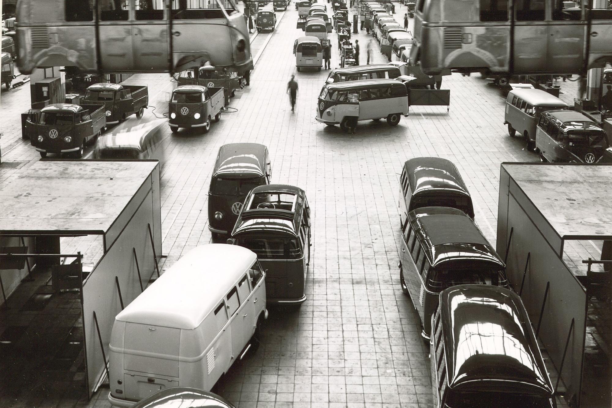 Dès les années 50, la production des fourgons Volkswagen s'emballe. Prochain cap: celui des 10 millions d'unités!, GF