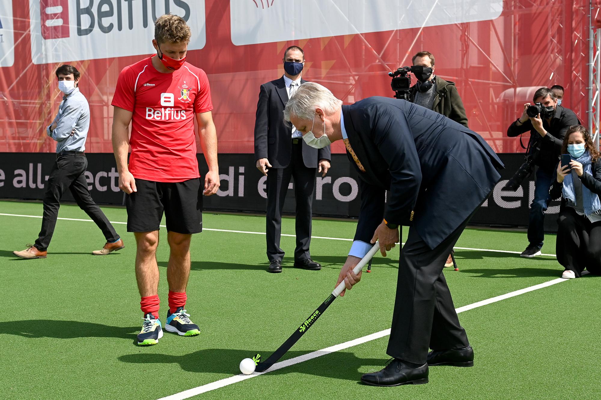 Koning Filip wou ook even zijn hockeyskills laten zien., Belga Image