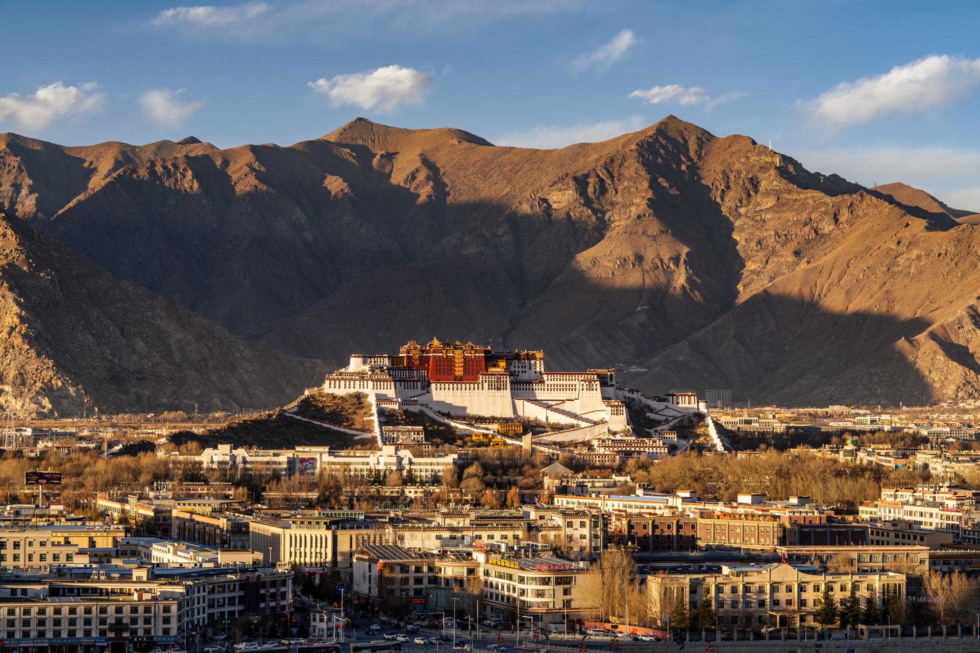 De verboden stad Lhasa, waar ze in totaal zo'n twee maanden doorbracht voor ze ontdekt werd., Getty Images