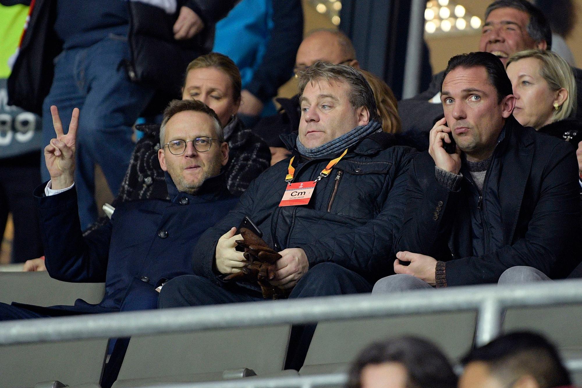Peter Croonen naast Genk-CEO Erik Gerits en sportief directeur Dimitri De Condé, Belga Image