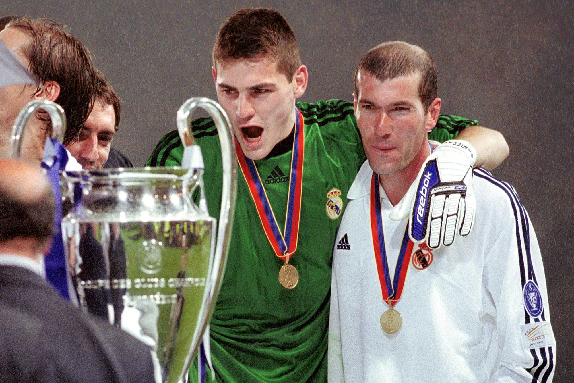 Un tout jeune Iker Casillas et le double ZZ en 2002., IMAGO