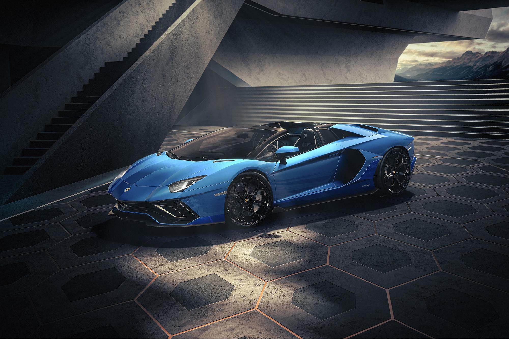 La version roadster renforce l'exclusivité de l'Aventador., GF