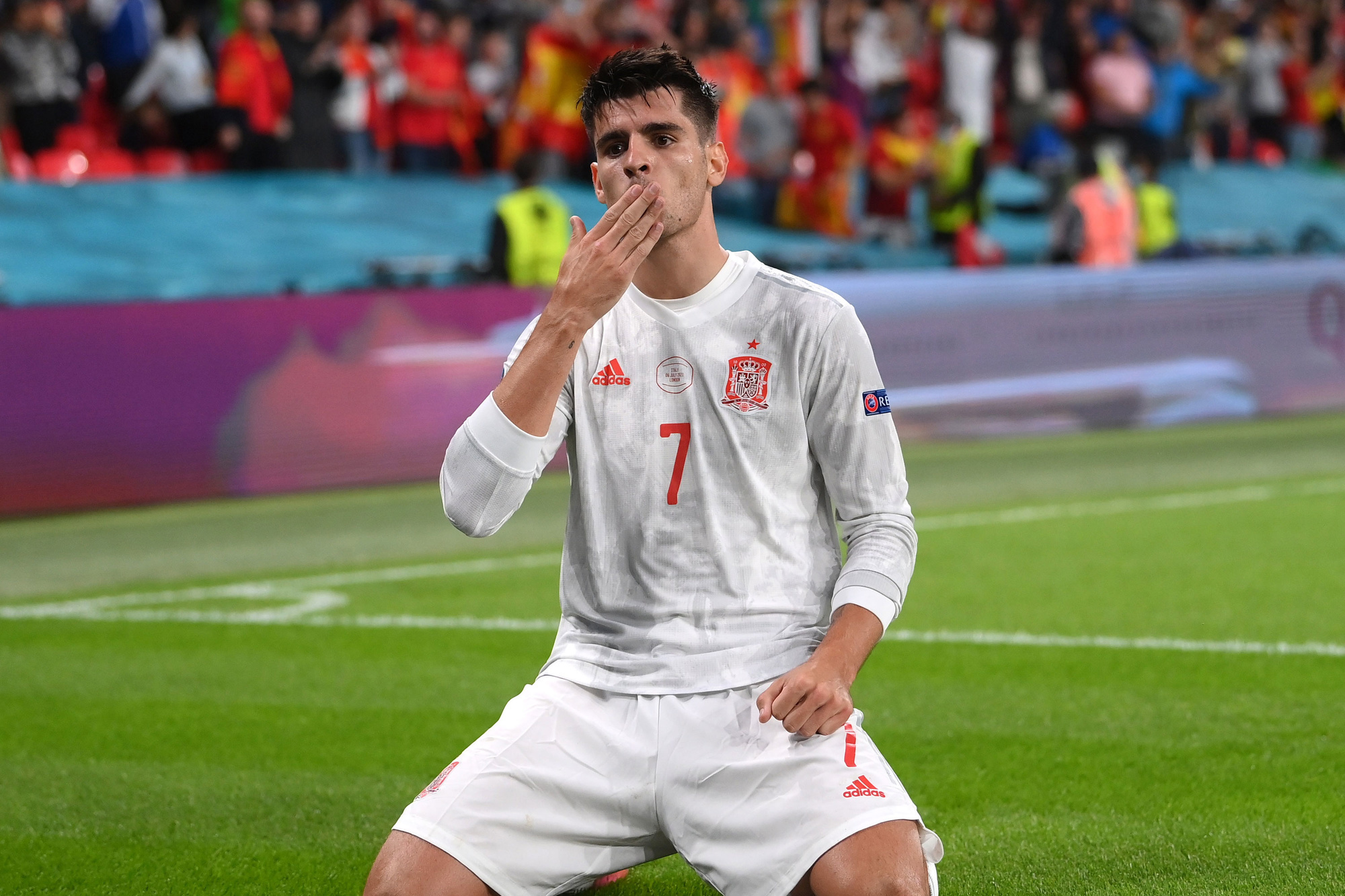 Alvaro Morata, invaller, doelpuntenmaker, miste later zijn penalty, Reuters