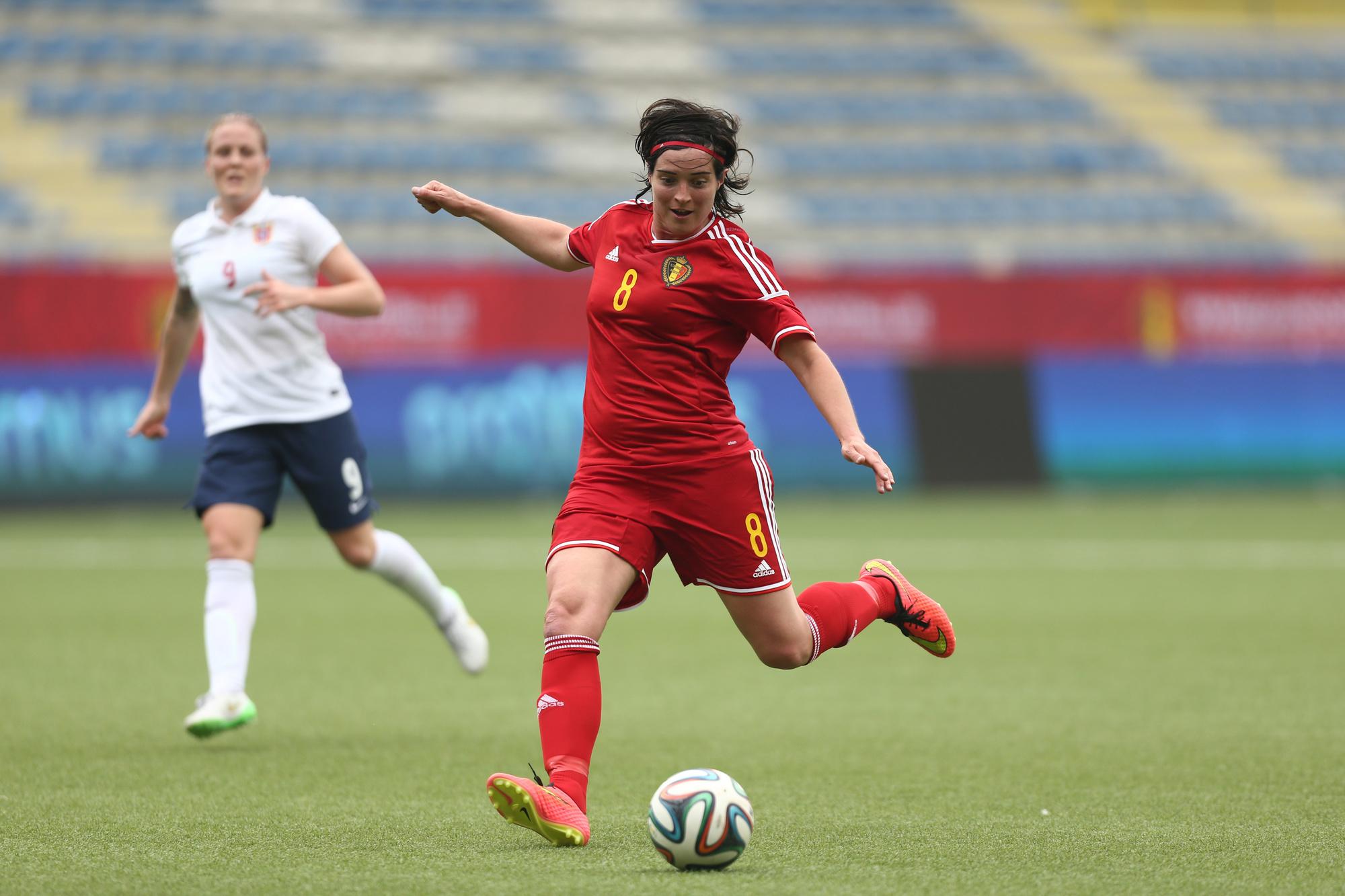 Cécile De Gernier sous le maillot des Red Flames, en 2015., ISOSPORT
