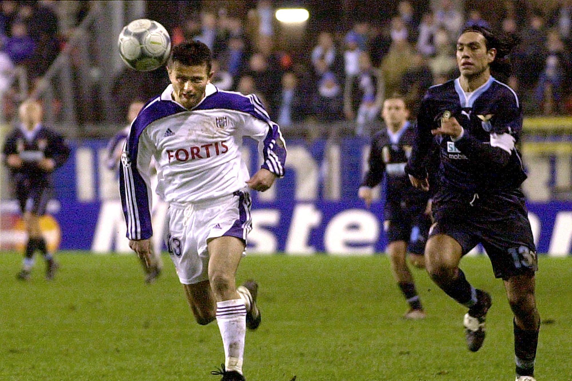 Au printemps 2001, Radzinksi sème le grand Alessandro Nesta en Ligue des Champions., belga