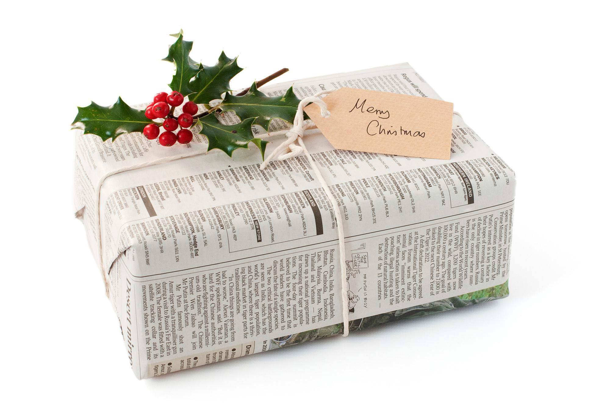 Oude kranten zijn ideaal om pakjes van te maken, Getty