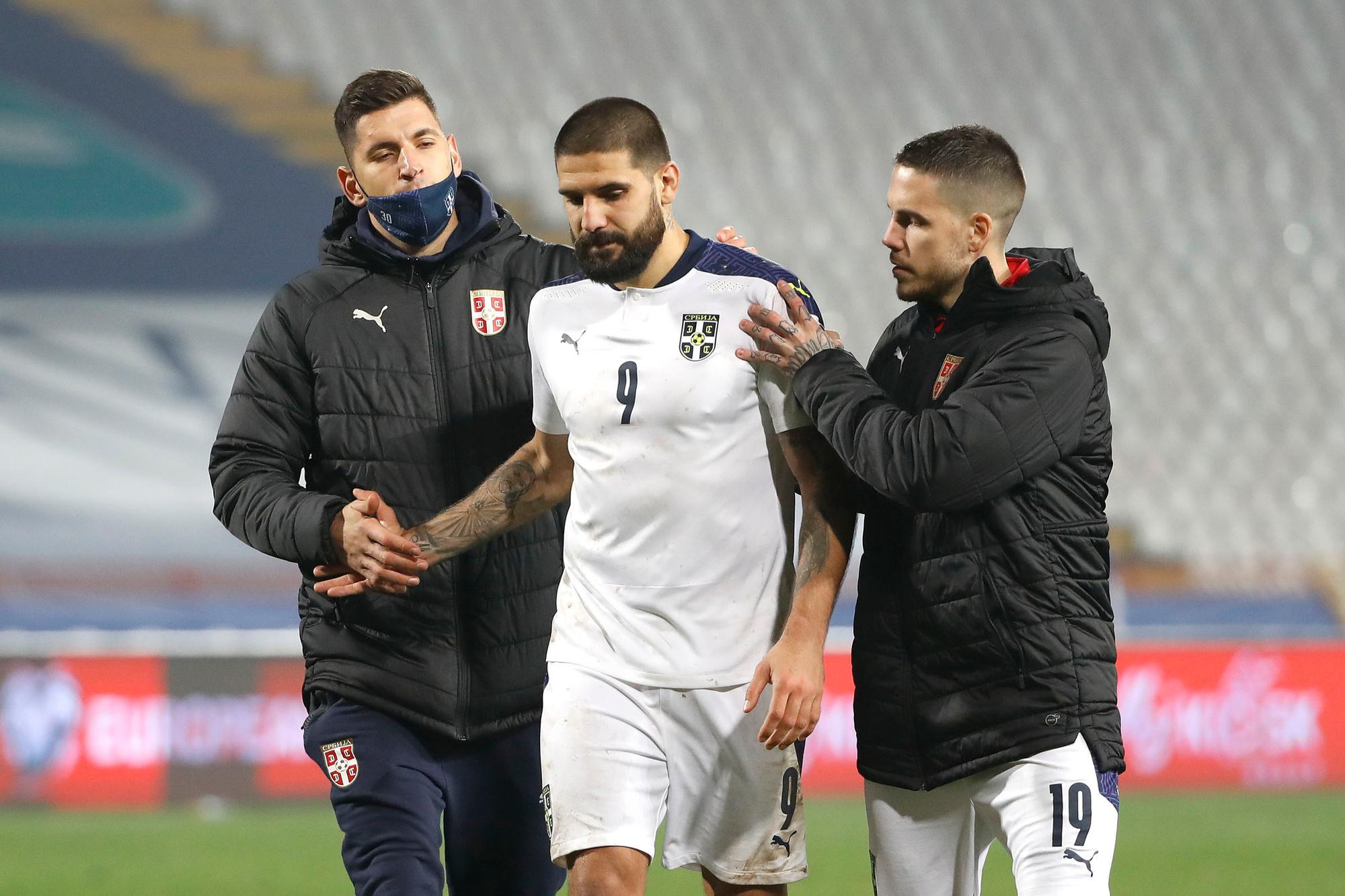 Alexander Mitrovic miste de beslissende penalty voor Servië, GETTY