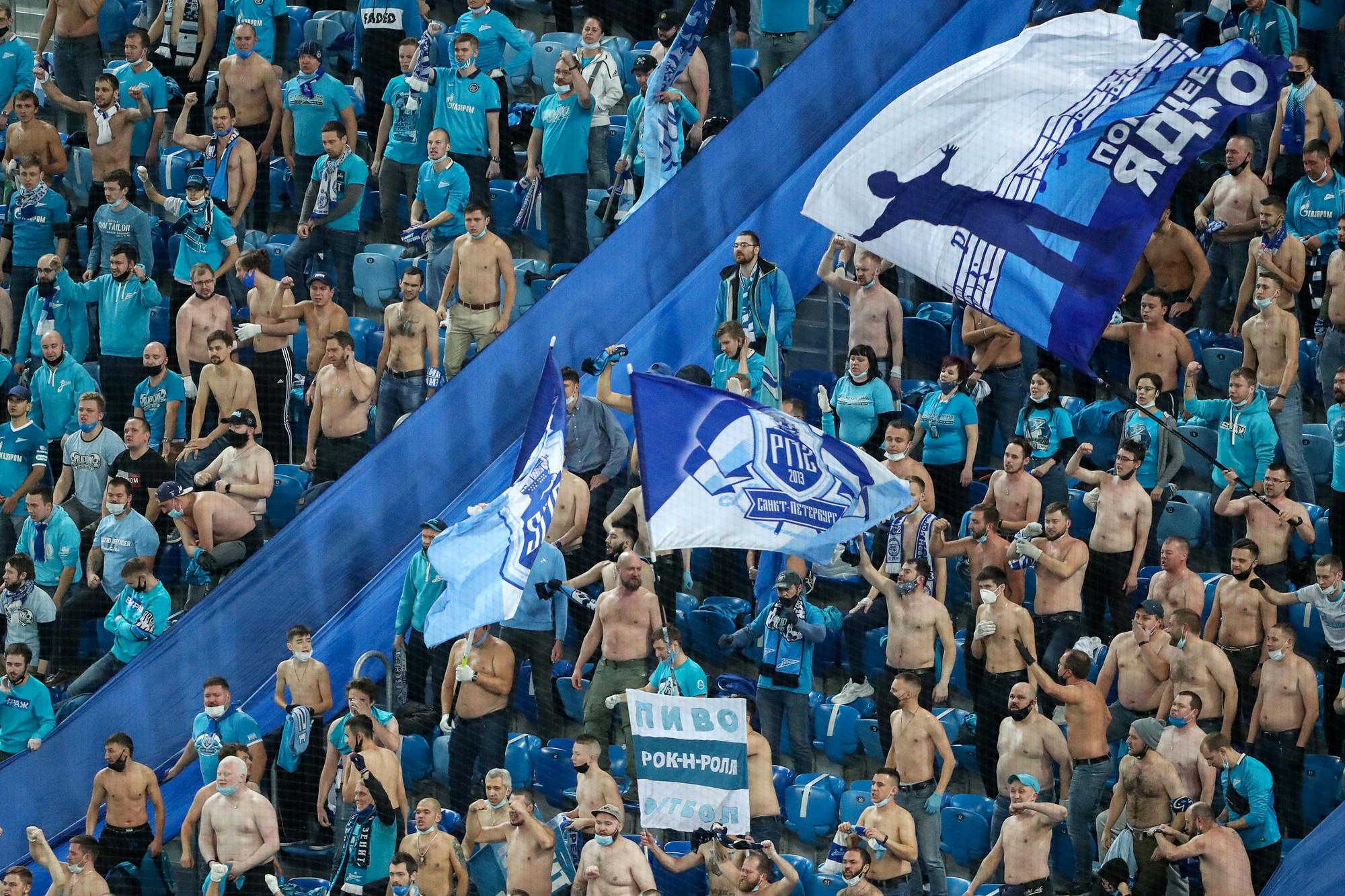 De supporters van Zenit deden alsof het virus niet bestond, GETTY